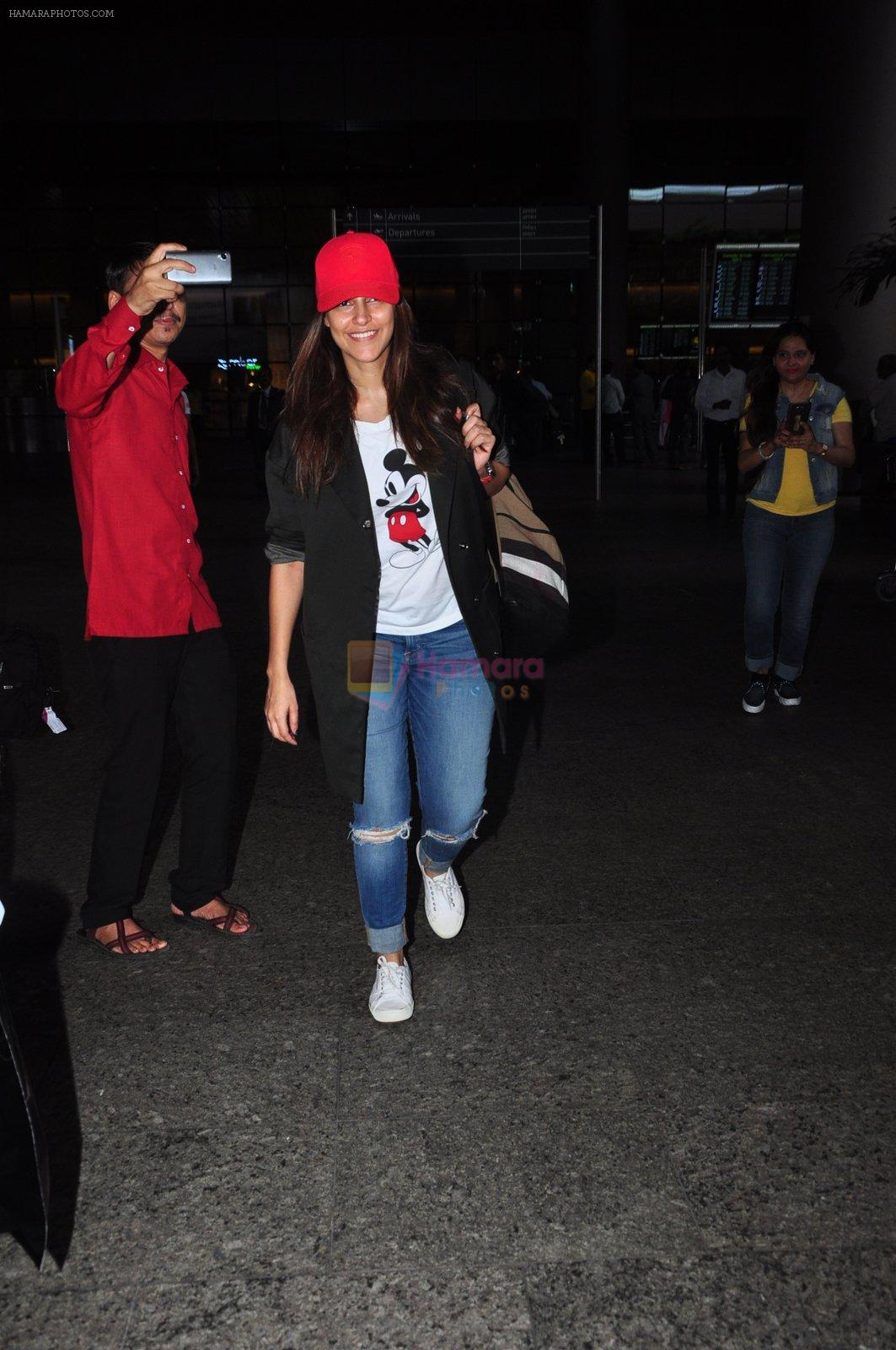Neha Dhupia snapped at airport in Mumbai on 14th Aug 2016