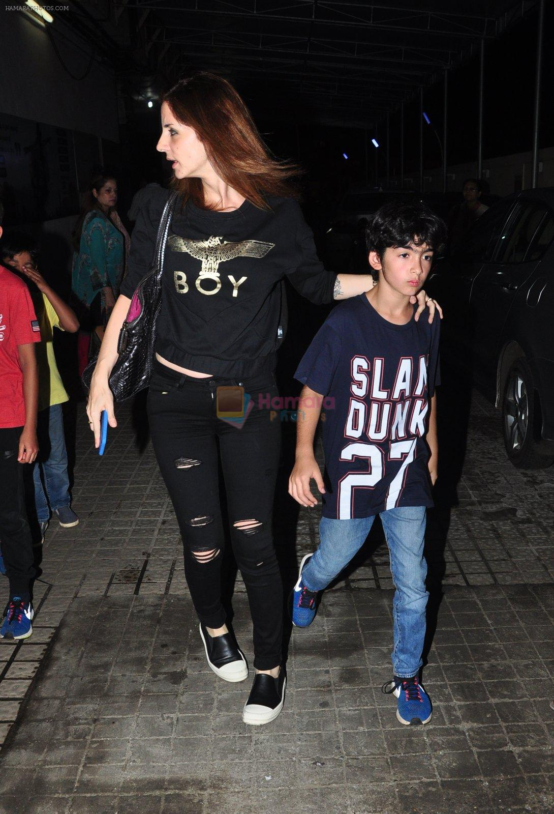 Suzanne kHan snapped with kids at pvr on 15th Aug 2016