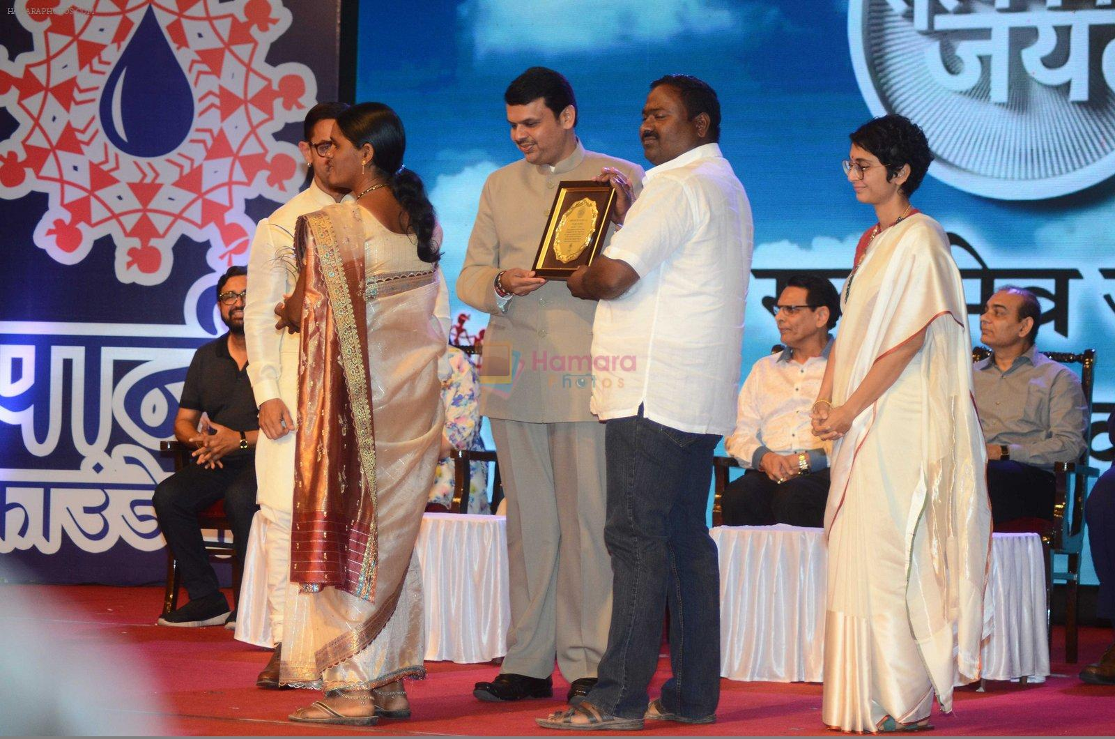 Aamir Khan, Kiran Rao at Satyamev Jayate Awards in Mumbai on 15th Aug 2016
