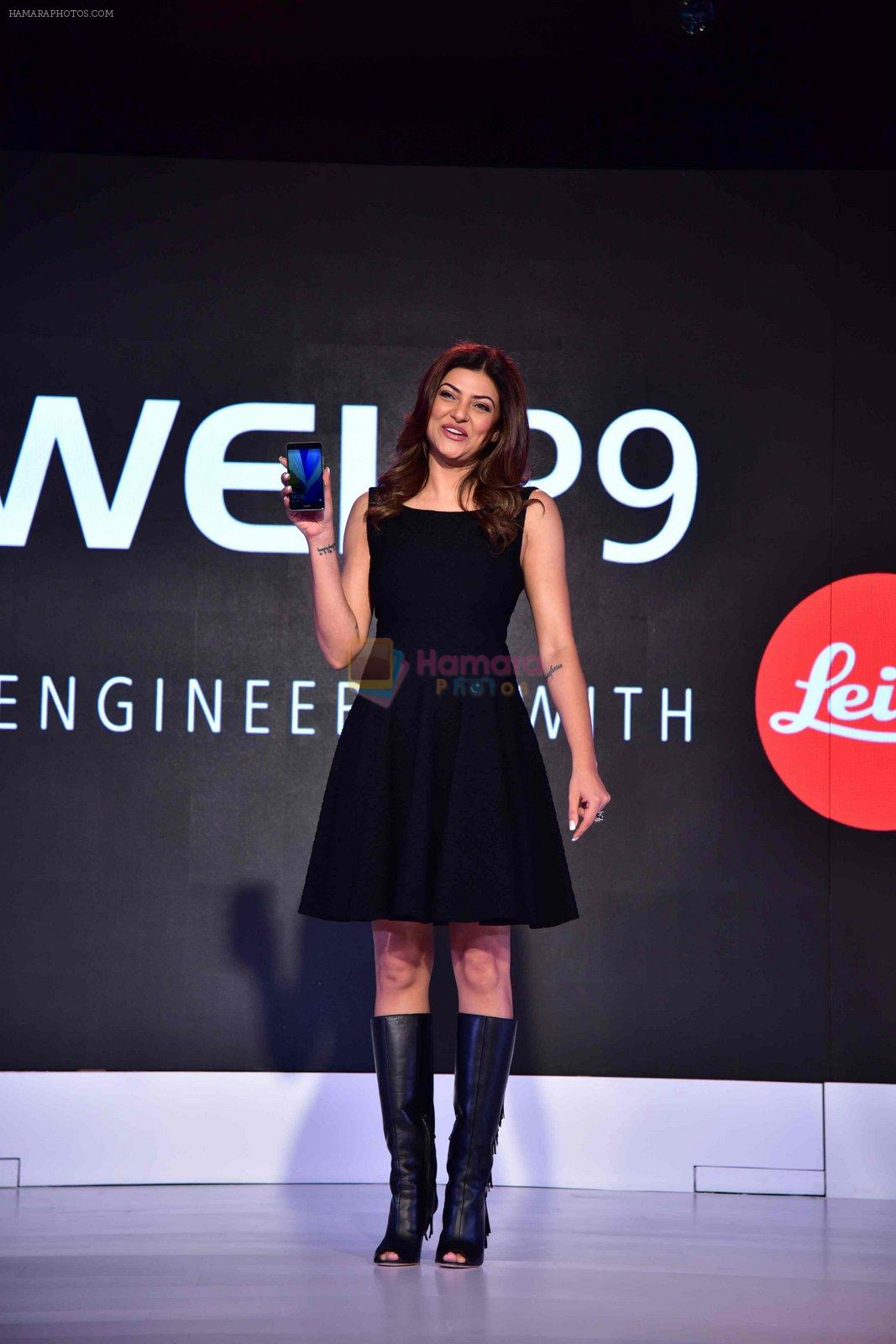 Sushmita Sen at FDCI event to announce new phone on 17th Aug 2016