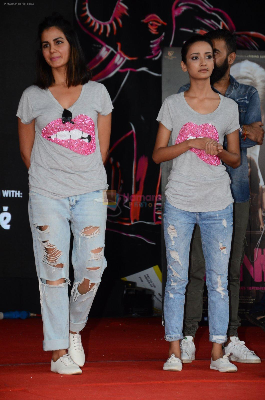Kirti Kulhari, Andrea Tariang at Pink promotions in Umang fest on 17th Aug 2016