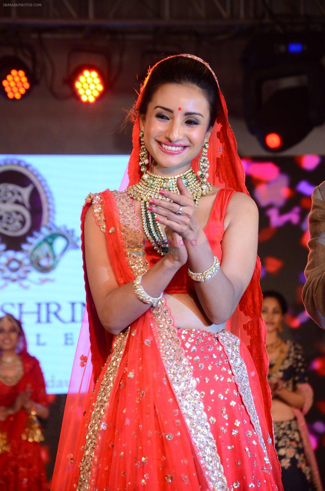 Patralekha at bridal show on 19th Aug 2016
