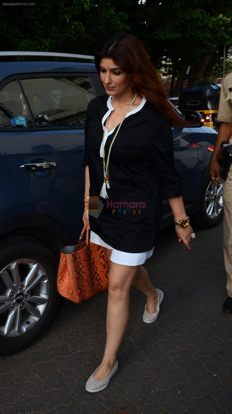 Twinkle Khanna take family out for movie at PVR juhu on 21st Aug 2016