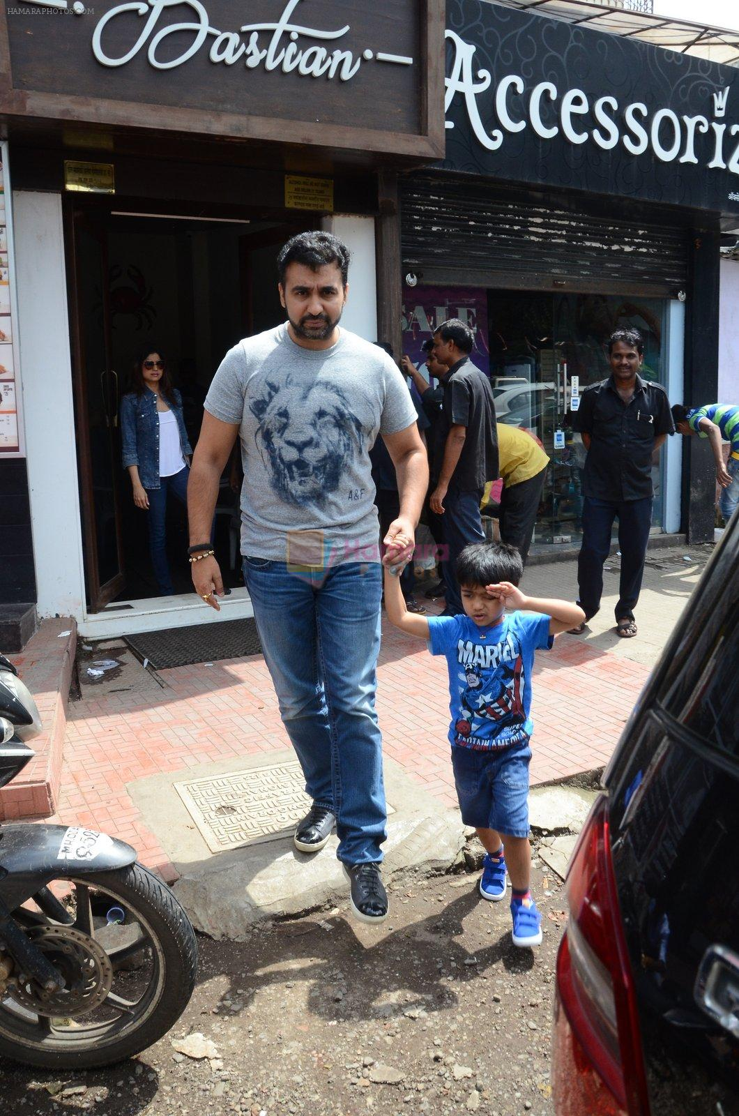 Raj Kundra snapped with family for lunch on 21st Aug 2016