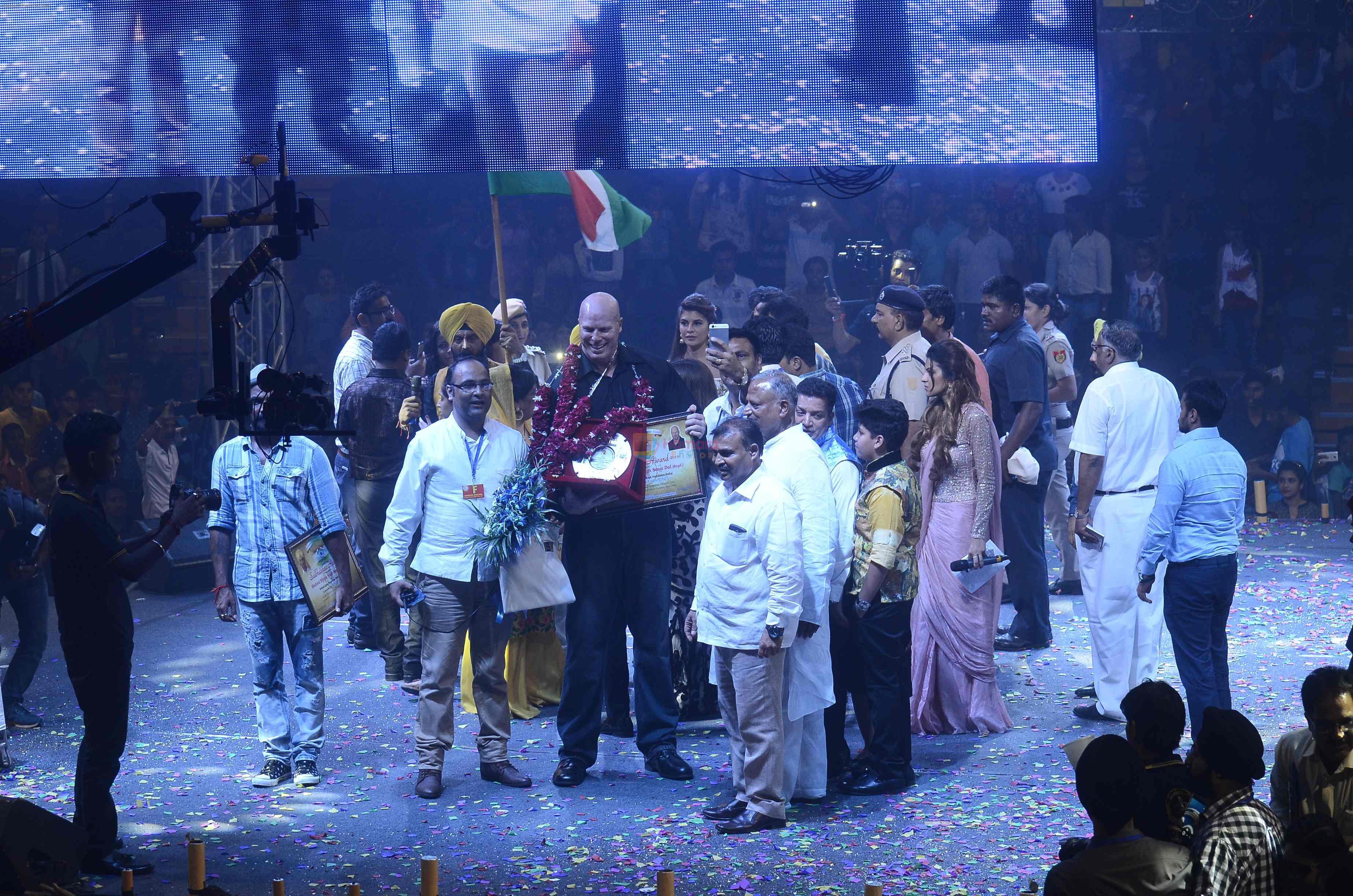 Tiger Shroff, Jacqueline Fernandez, Remo D Souza promote The Flying Jatt in Bhagat Singh Sadbhavana on 21st Aug 2016