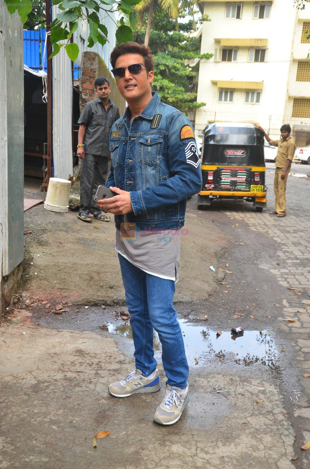 Jimmy Shergill snapped outside Miss Malini's office on 23rd Aug 2016