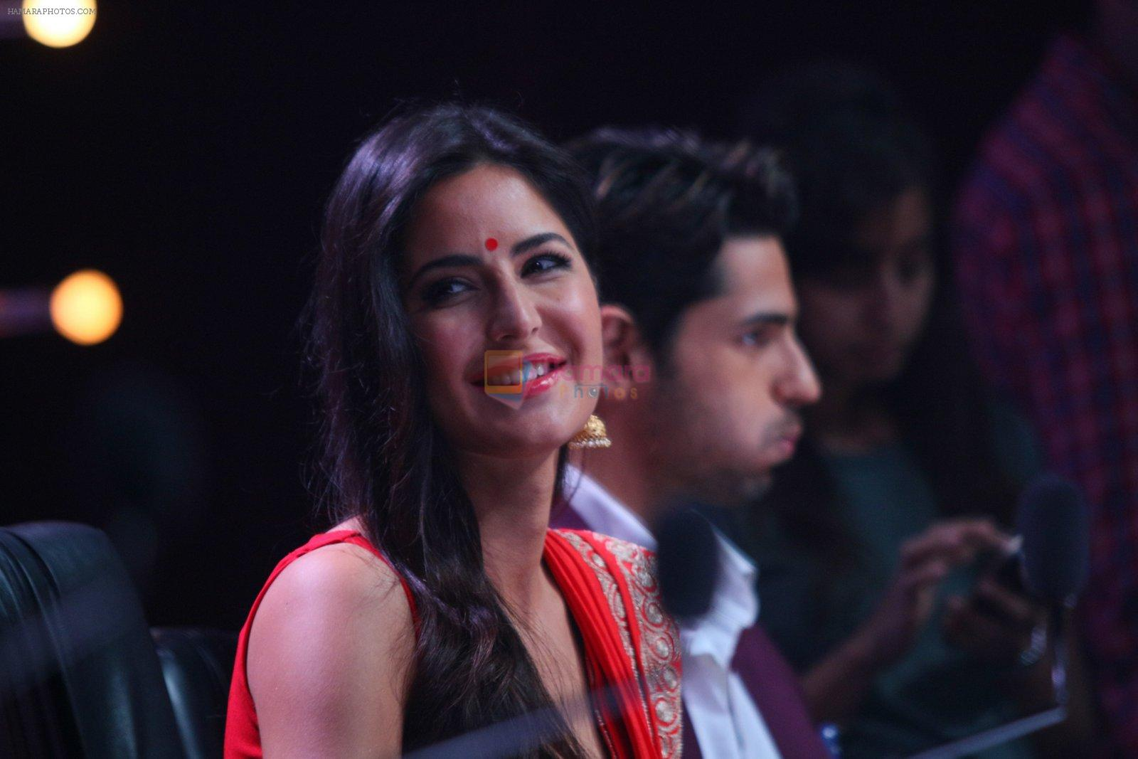 Katrina Kaif promote Bar Bar Dekho on the sets of jhalak dikhhla jaa 9 on 24th Aug 2016