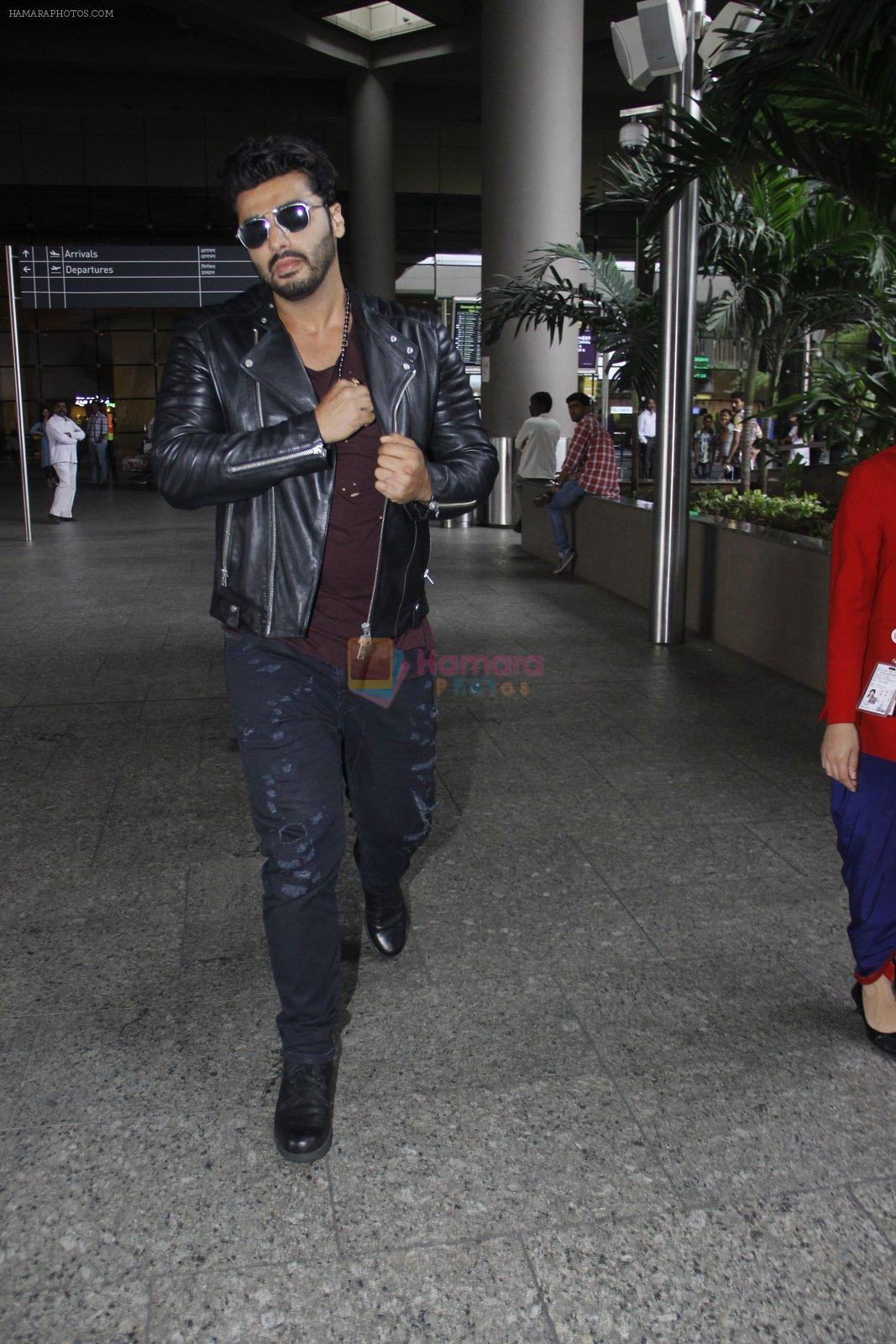 Arjun Kapoor back from cape town on 24th Aug 2016