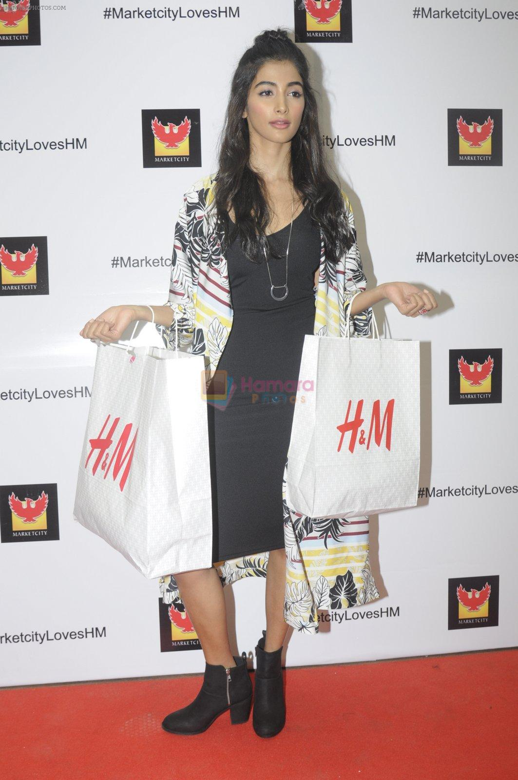 Pooja Hegde at H & M store launch at Phoenix Market City on 25th Aug 2016