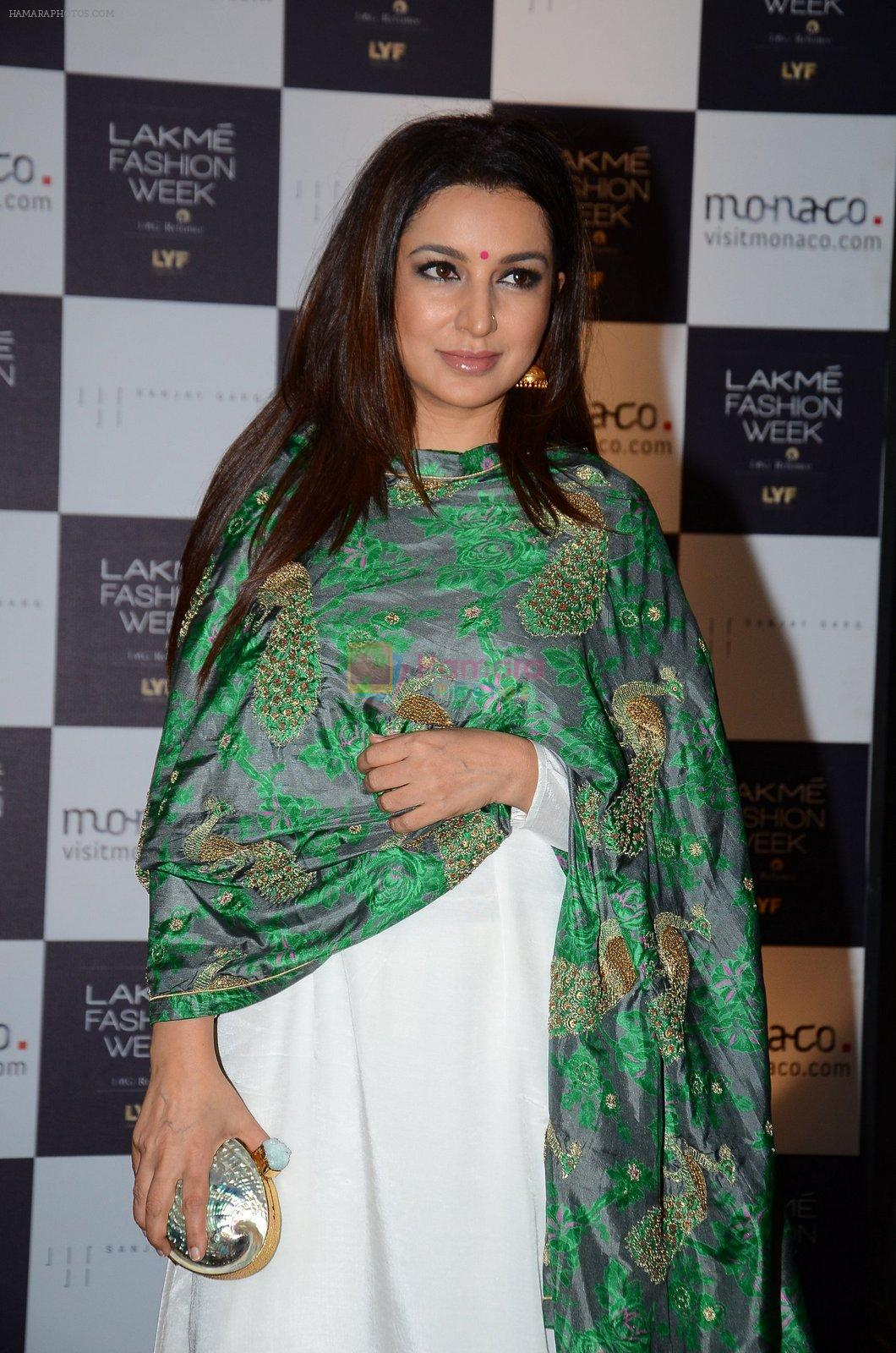 Tisca Chopra at Lakme Fashion Week 2016 Day 2 on 25th Aug 2016