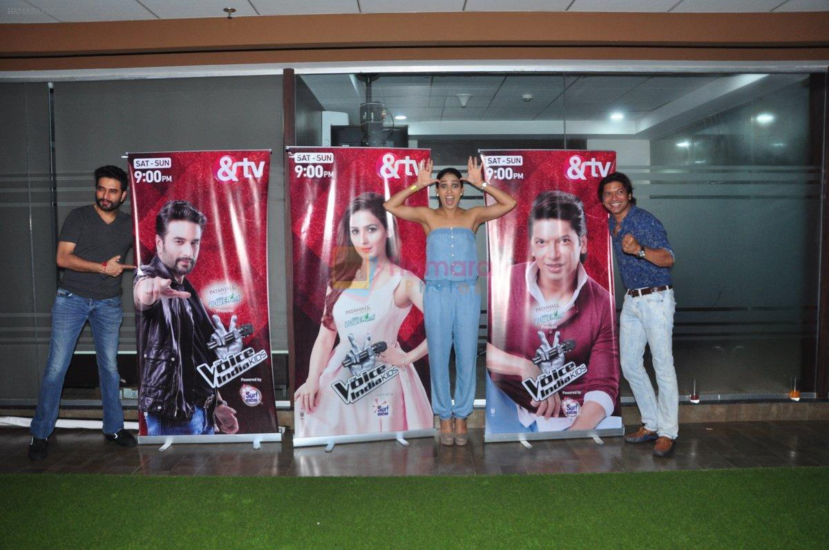 Neeti Mohan, Shaan, Shekhar Ravjiani at Voice of India Kids Event on 26th Aug 2016