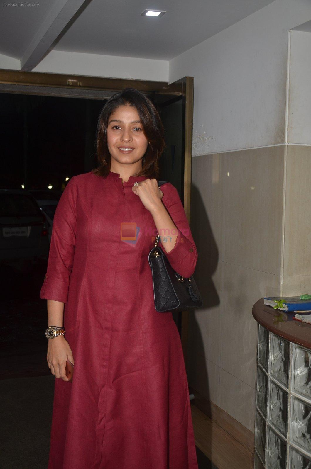Sunidhi Chauhan at the Vamps bash hosted by Suchitra on 27th Aug 2016