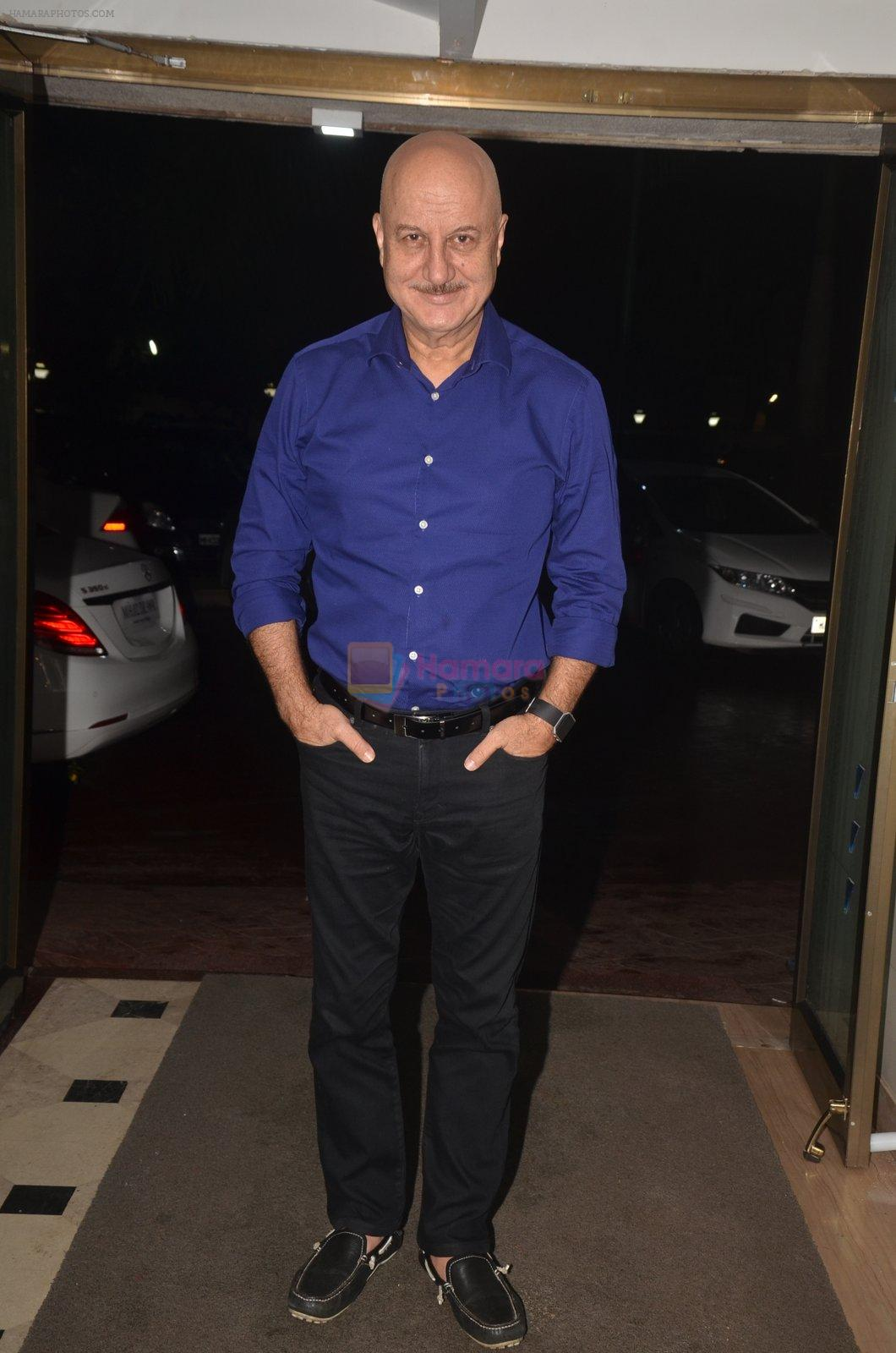 Anupam Kher at the Vamps bash hosted by Suchitra on 27th Aug 2016