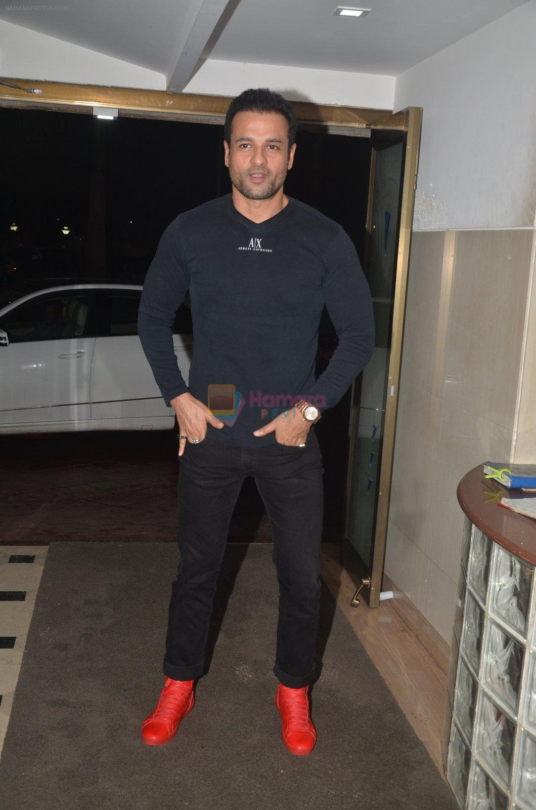 Rohit Roy at the Vamps bash hosted by Suchitra on 27th Aug 2016