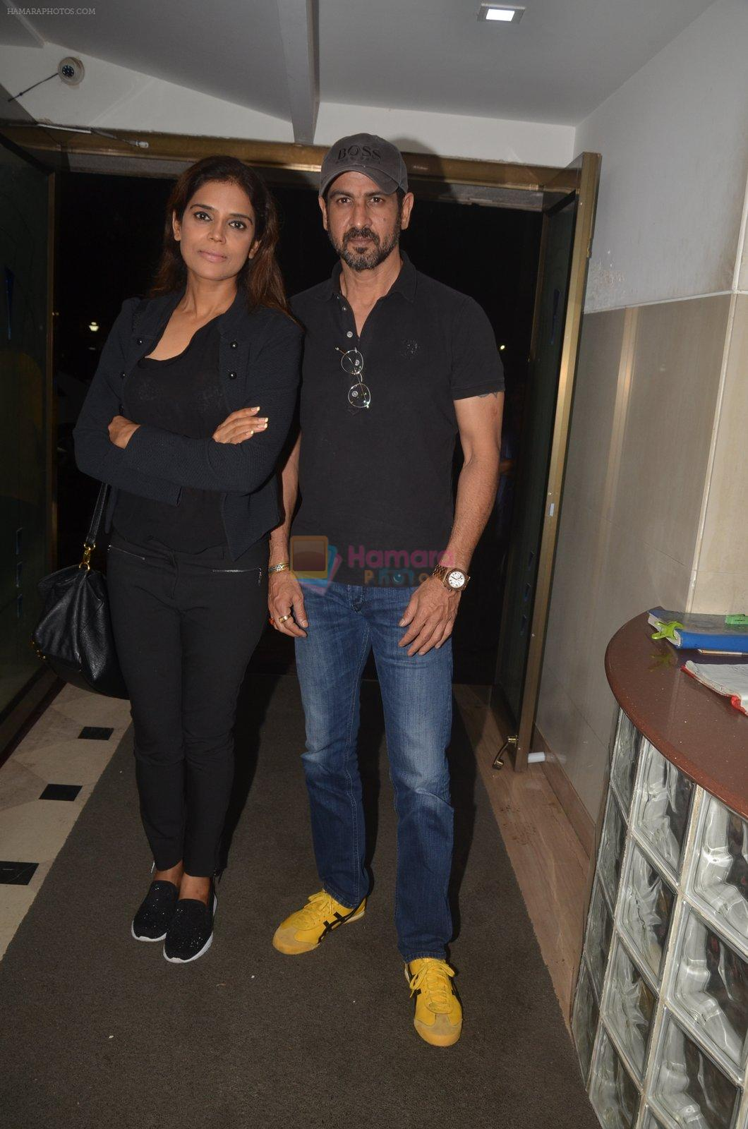 Ronit Roy at the Vamps bash hosted by Suchitra on 27th Aug 2016