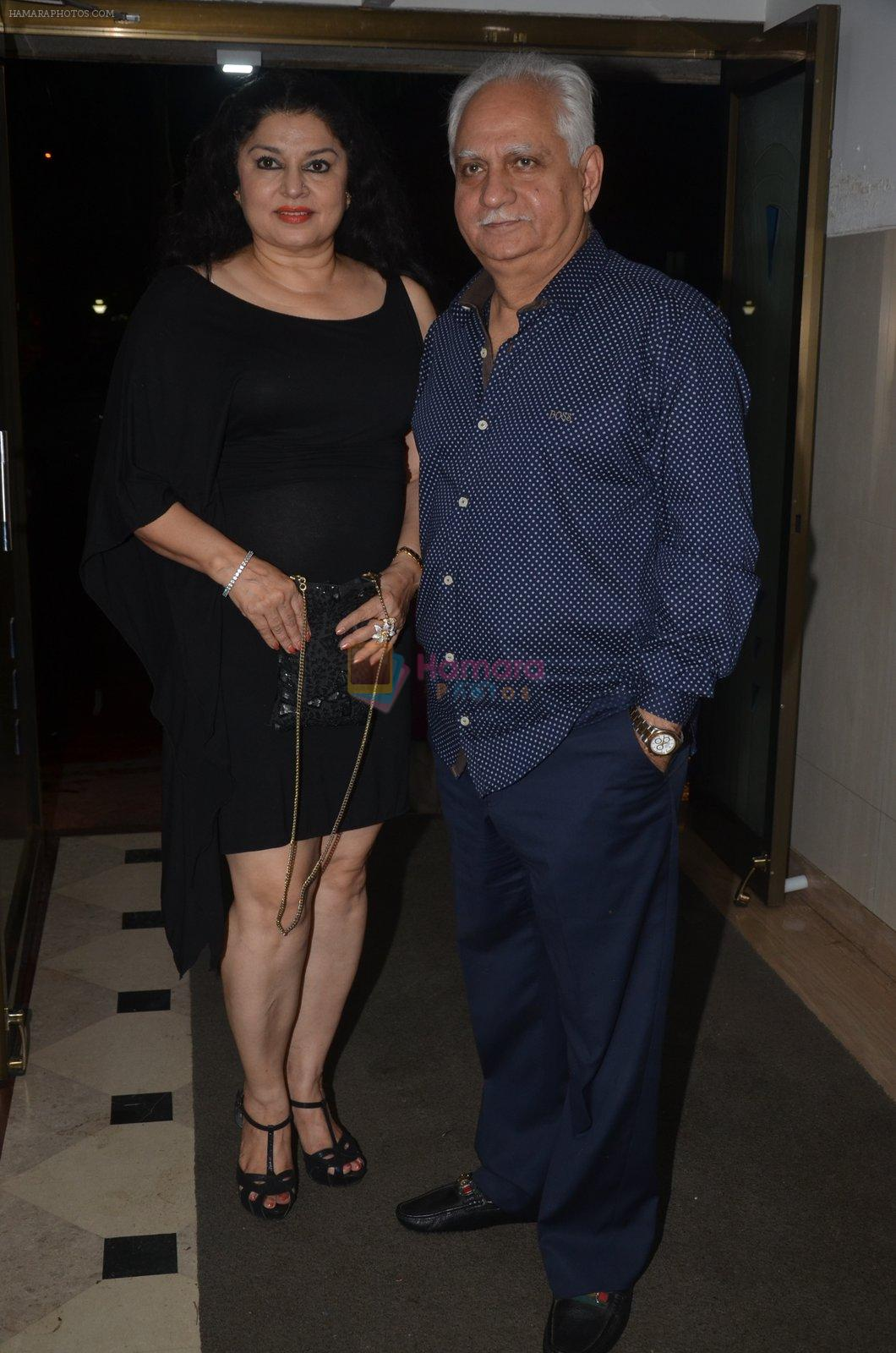 Ramesh Sippy, Kiran Juneja at the Vamps bash hosted by Suchitra on 27th Aug 2016