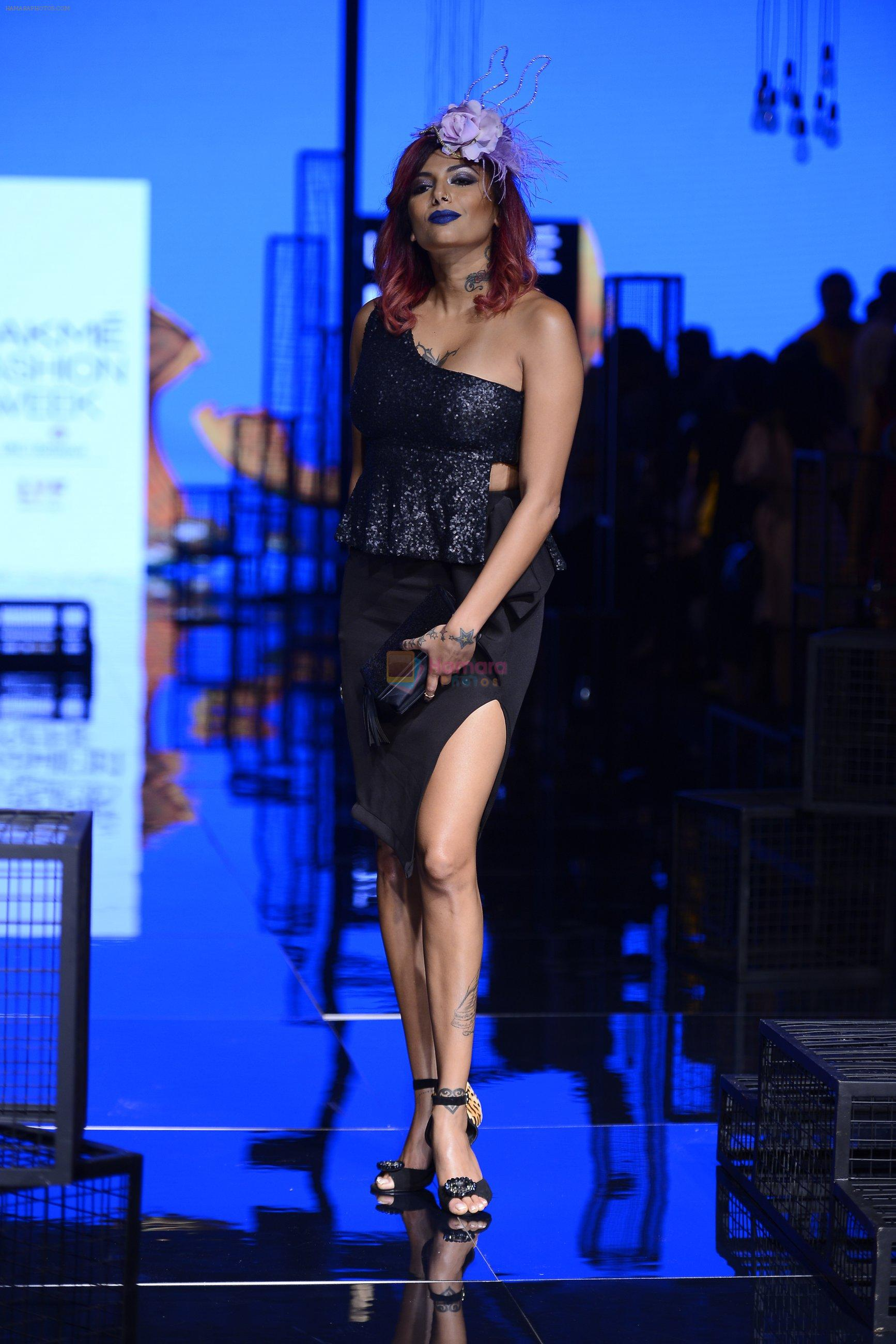 Diandra Soares walk the ramp for Kunal Rawal Show at Lakme Fashion Week 2016 on 28th Aug 2016