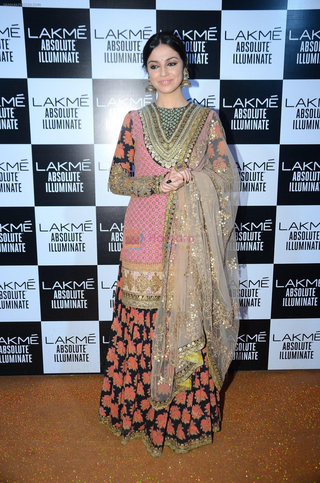 Divya Kumar at Sabyasachi Show Grand Finale at Lakme Fashion Week 2016 on 28th Aug 2016