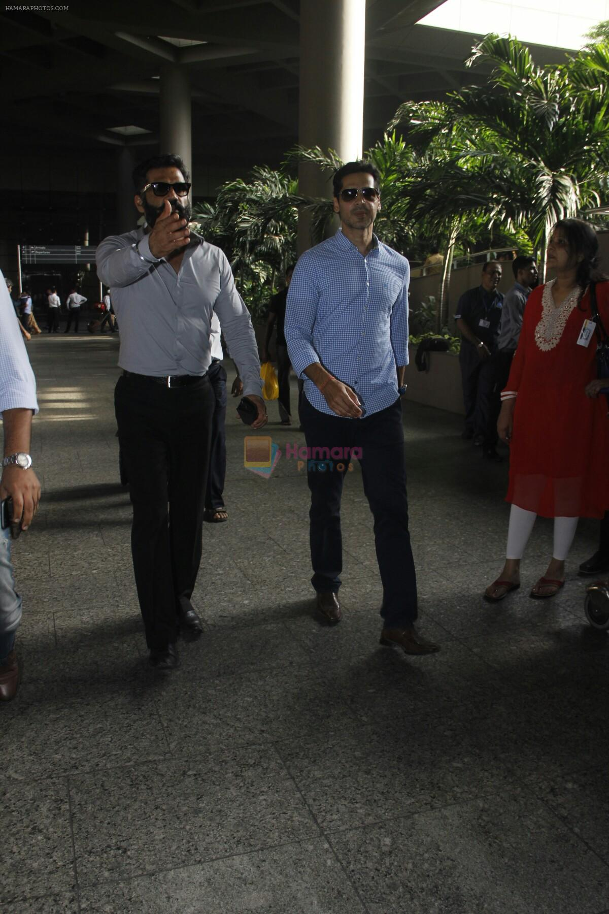Sunil Shetty, Dino Morea snapped at airport on 29th Aug 2016