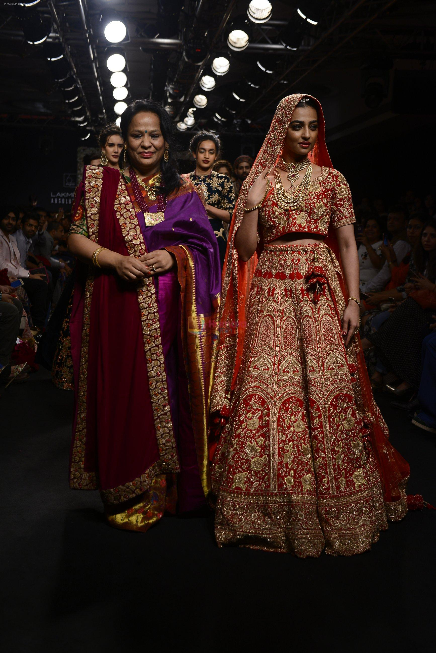 Radhika Apte walk the ramp for Saroj Jalan Show at Lakme Fashion Week 2016 on 28th Aug 2016