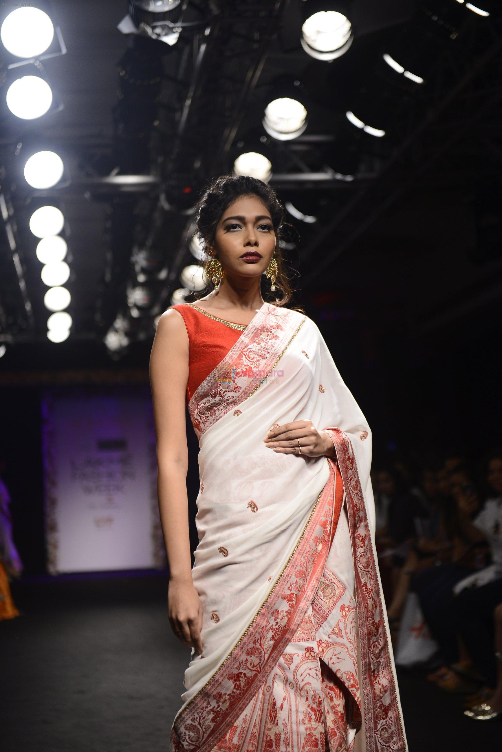 Model walk the ramp for Sumona Parekh Show at Lakme Fashion Week 2016 on 28th Aug 2016