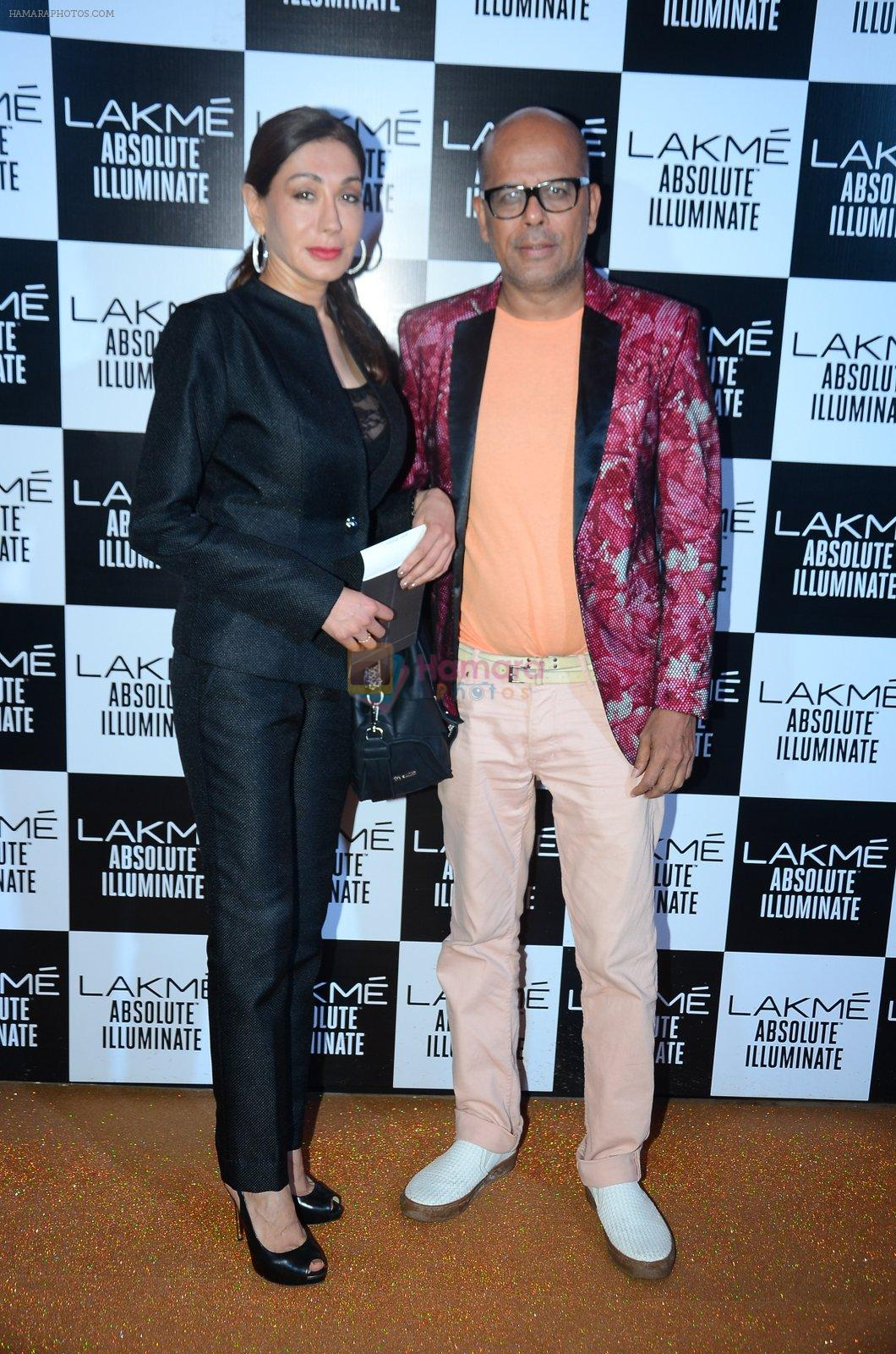 at Sabyasachi Show Grand Finale at Lakme Fashion Week 2016 on 28th Aug 2016