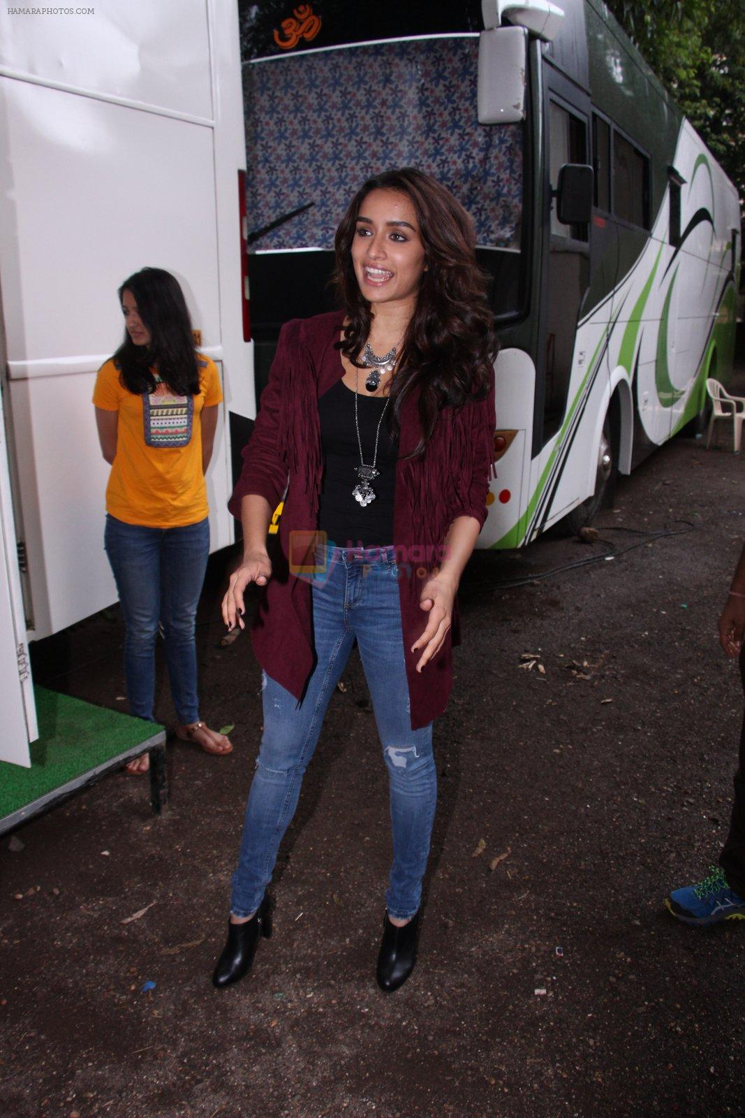 Shraddha Kapoor snapped on the sets of Rock on 2 on 30th Aug 2016