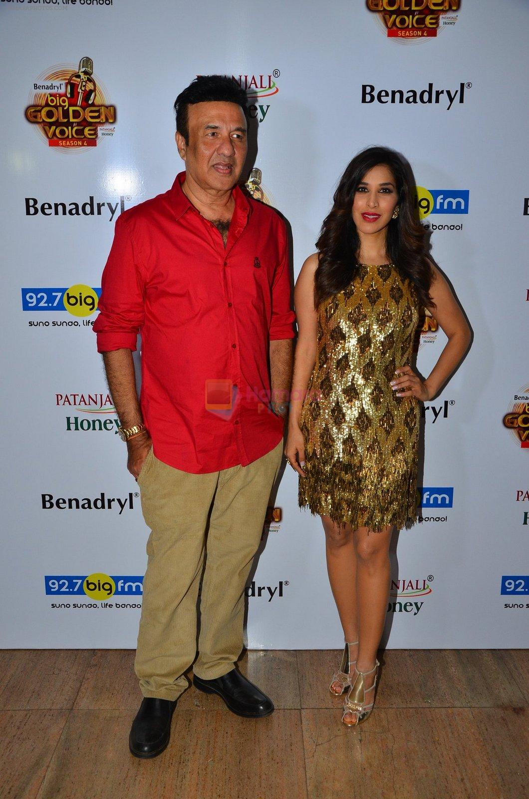Sophie Choudry, Anu Malik at Big FM Golden Voice event on 30th Aug 2016