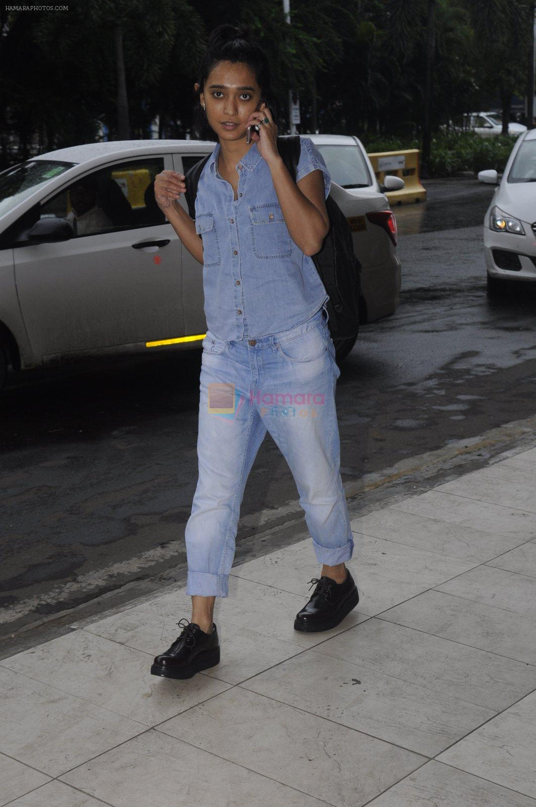Sayani Gupta snapped at domestic airport on 30th Aug 2016