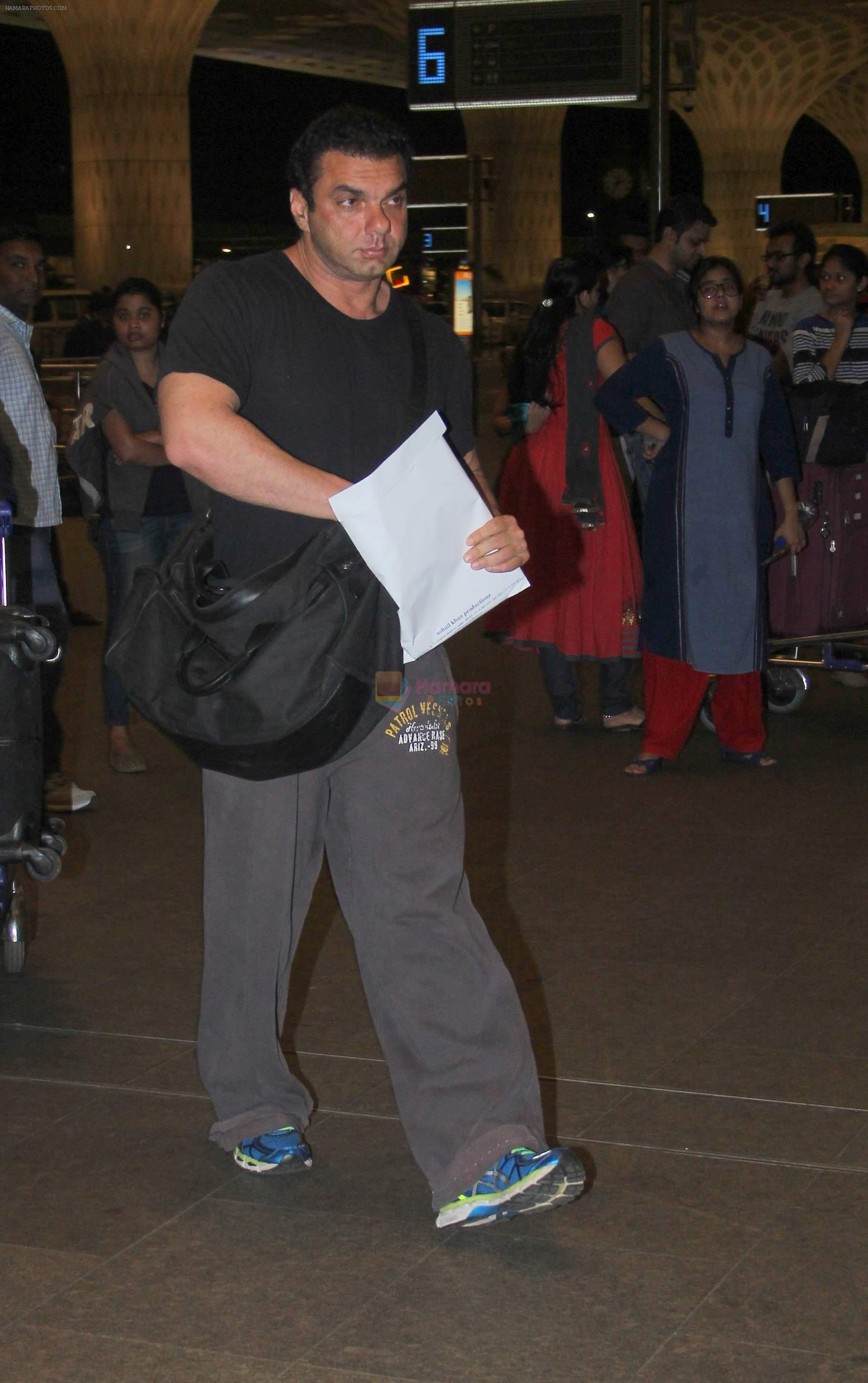 Sohail Khan snapped at airport on 30th Aug 2016