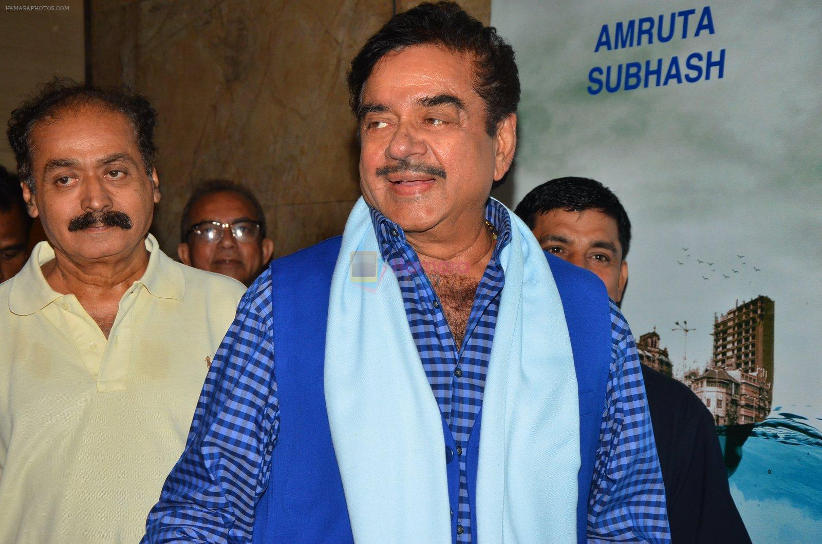 Shatrughan Sinha at Island City screening on 31st Aug 2016