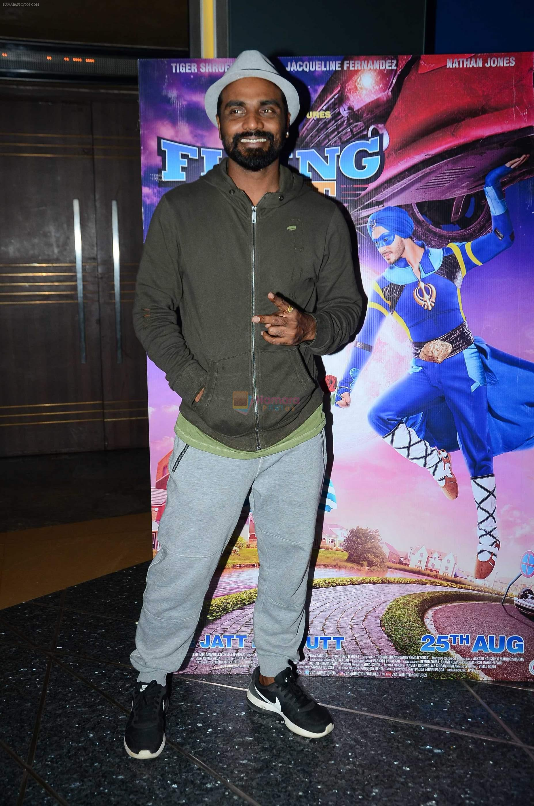 Remo D souza with kids for The flying jatt screening on 30th Aug 2016