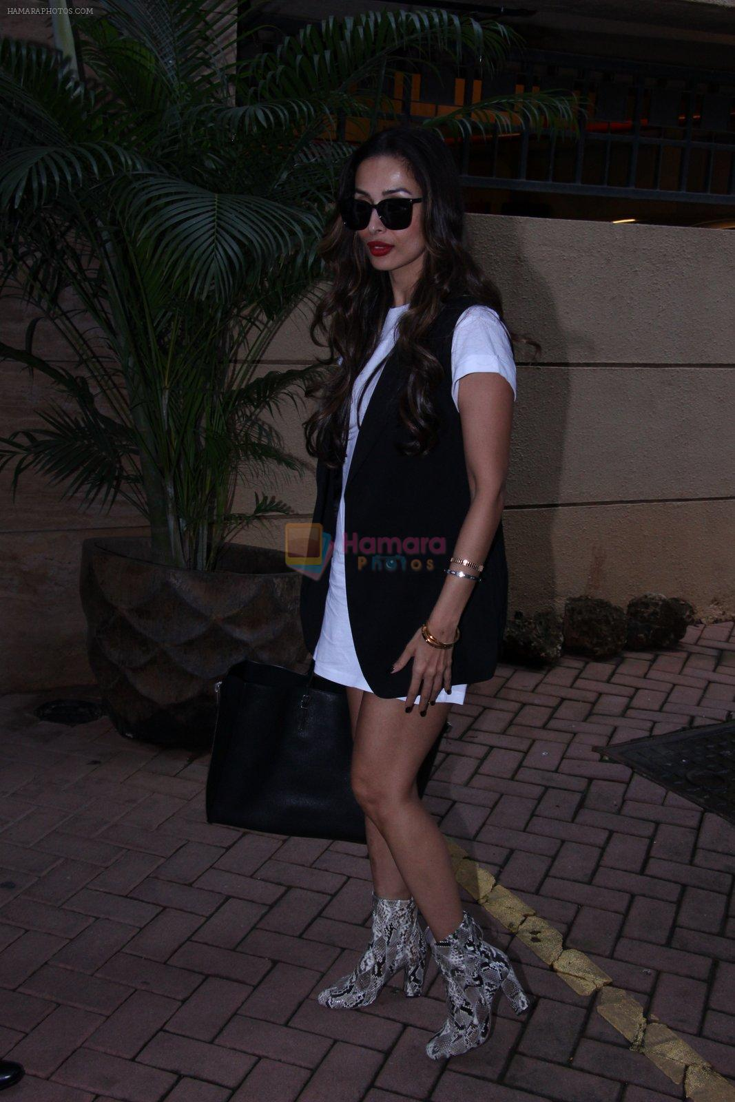 Malaika Arora Khan snapped post lunch on 31st Aug 2016