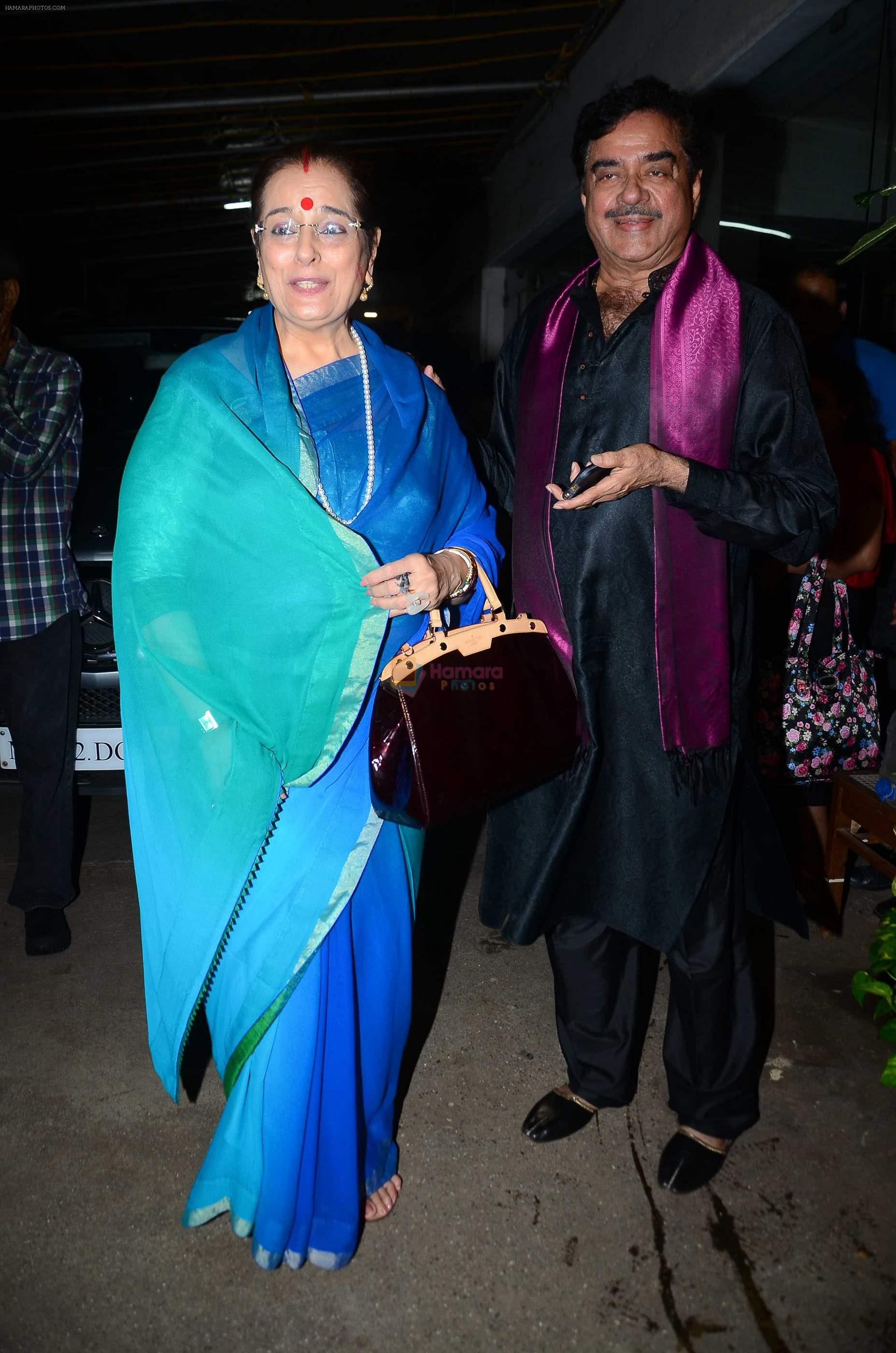 Poonam Sinha, Shatrughan Sinha at Akira special screening on 30th Aug 2016