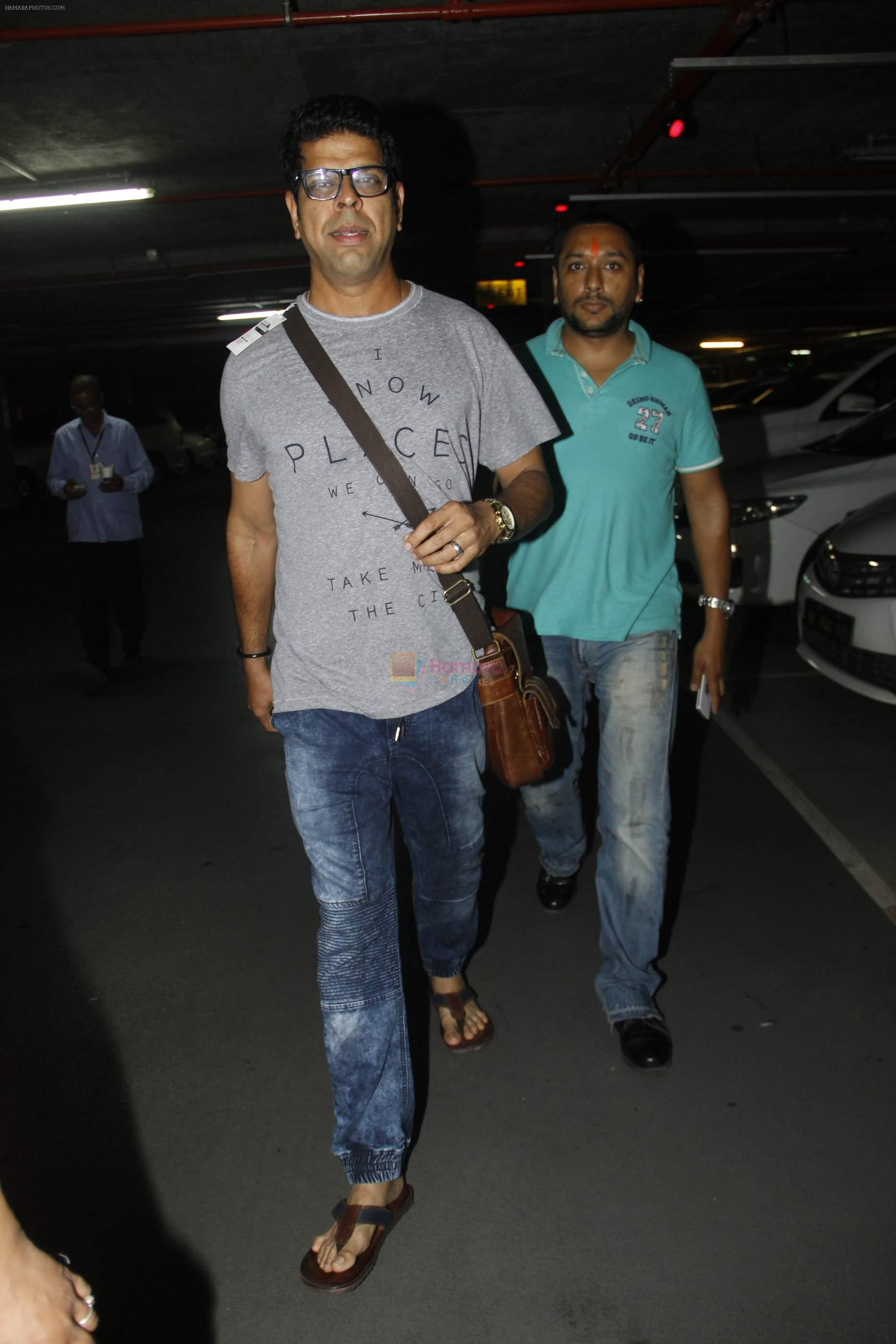 Murli Sharma snapped at airport on 1st Sept 2016