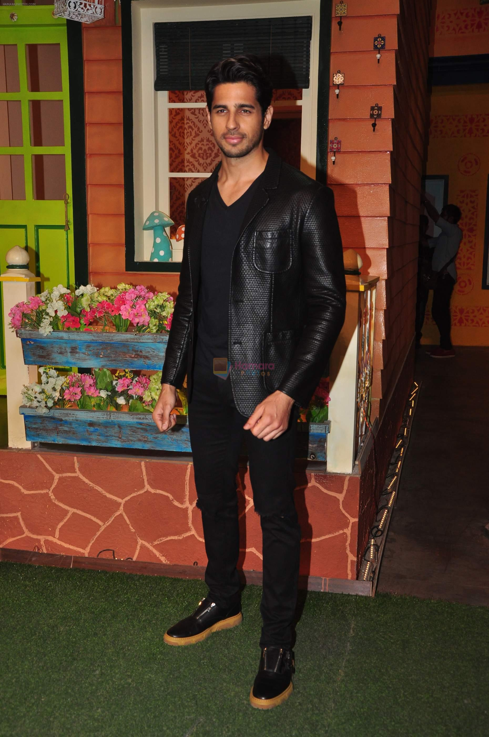 Sidharth Malhotra on the sets of The Kapil Sharma Show on 1st Sept 2016