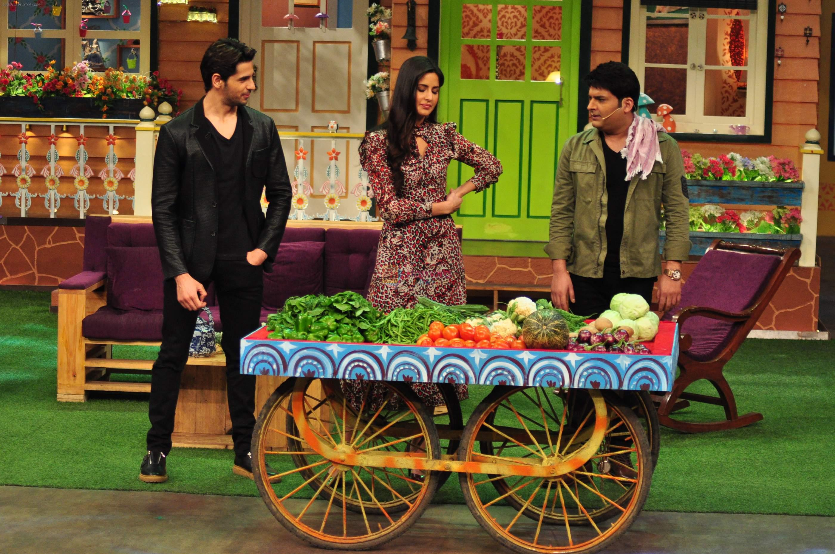 Sidharth Malhotra, Katrina Kaif on the sets of The Kapil Sharma Show on 1st Sept 2016