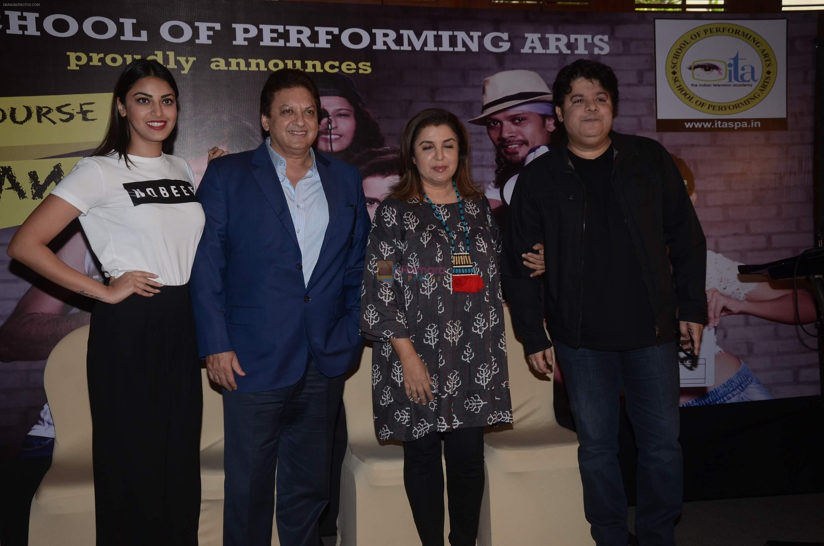 Farah Khan, Sajid Khan, Sashi Ranjan, Anushka Ranjan at ITA school event on 1st Sept 2016