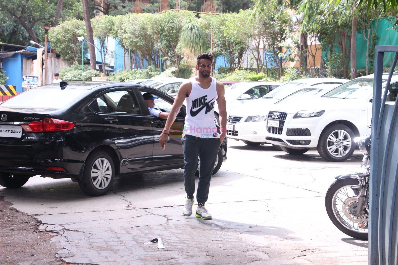 Upen Patel snapped at gym on 2nd Sept 2016
