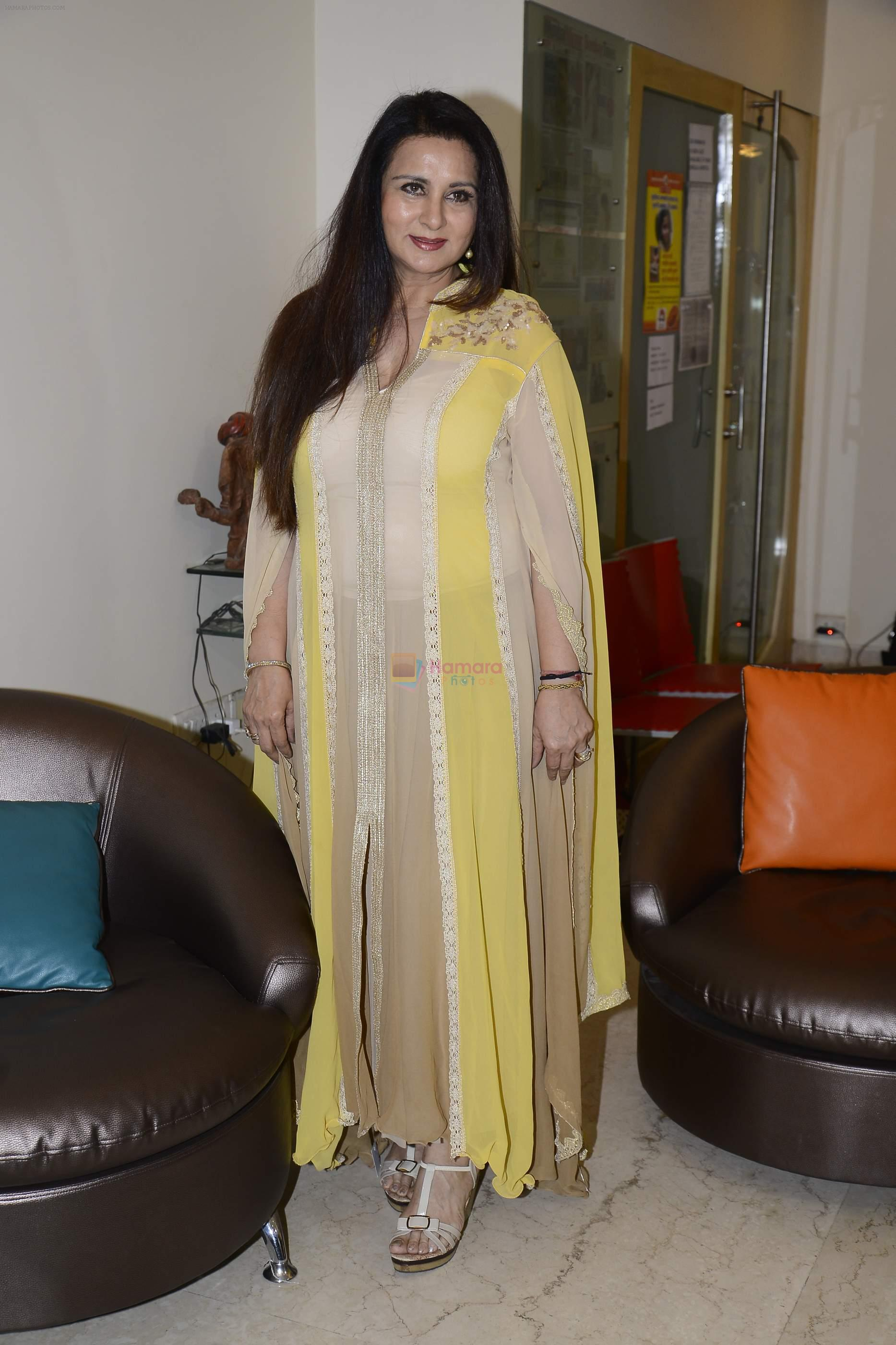 Poonam Dhillon launches her own collection in Mumbai on 1st Sept 2016