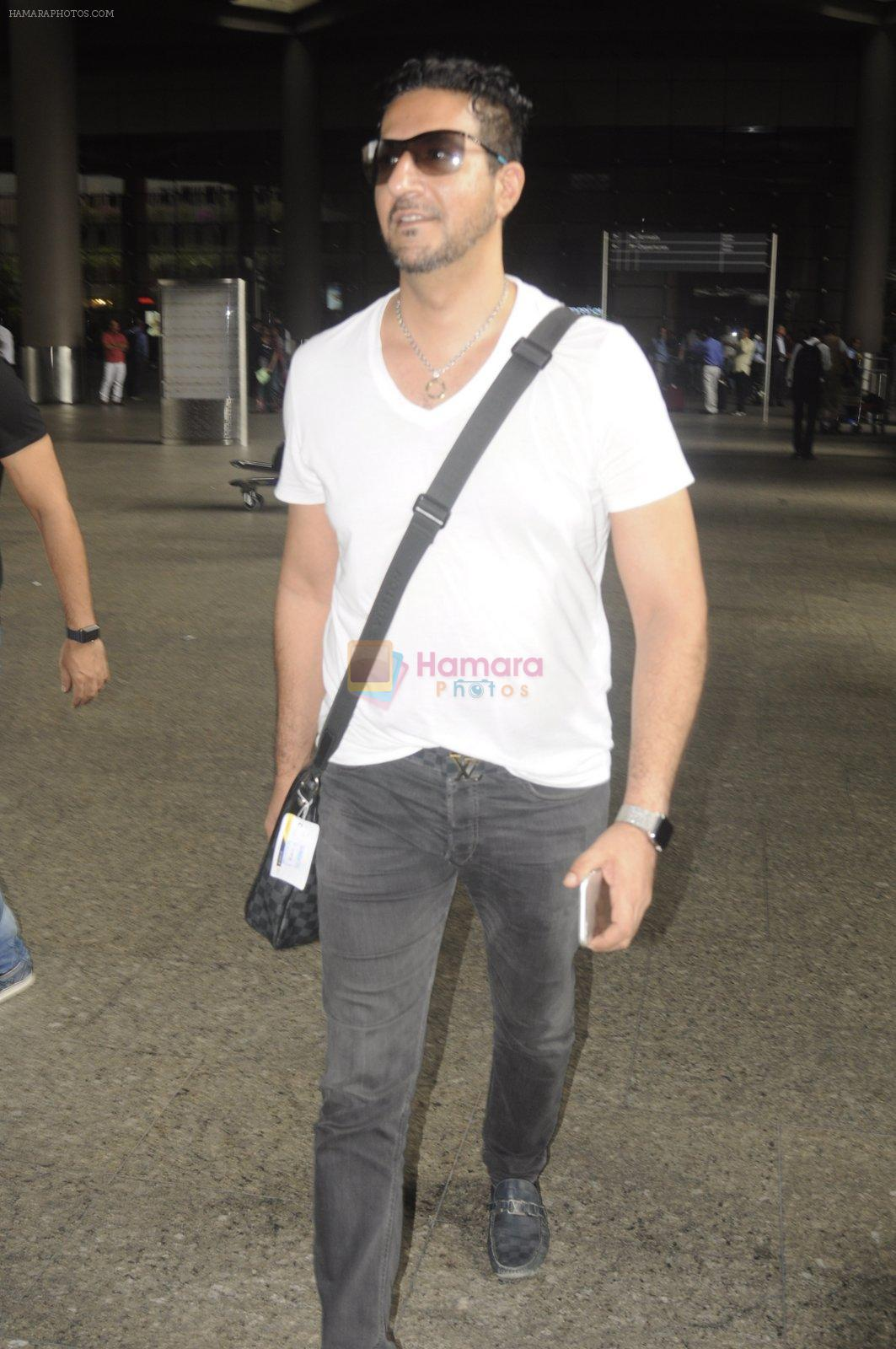 Sulaiman Merchant snapped at airport on 2nd Sept 2016
