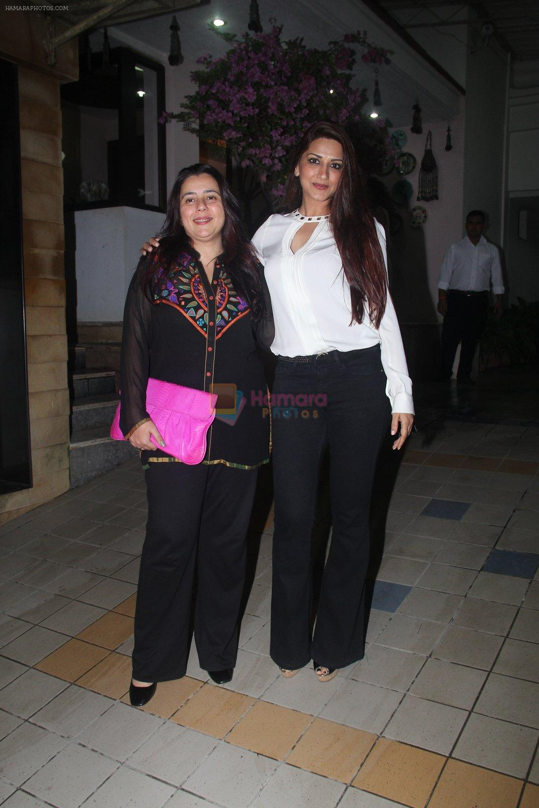 Sonali Bendre at Dipti Sandesara's bash on 2nd Sept 2016