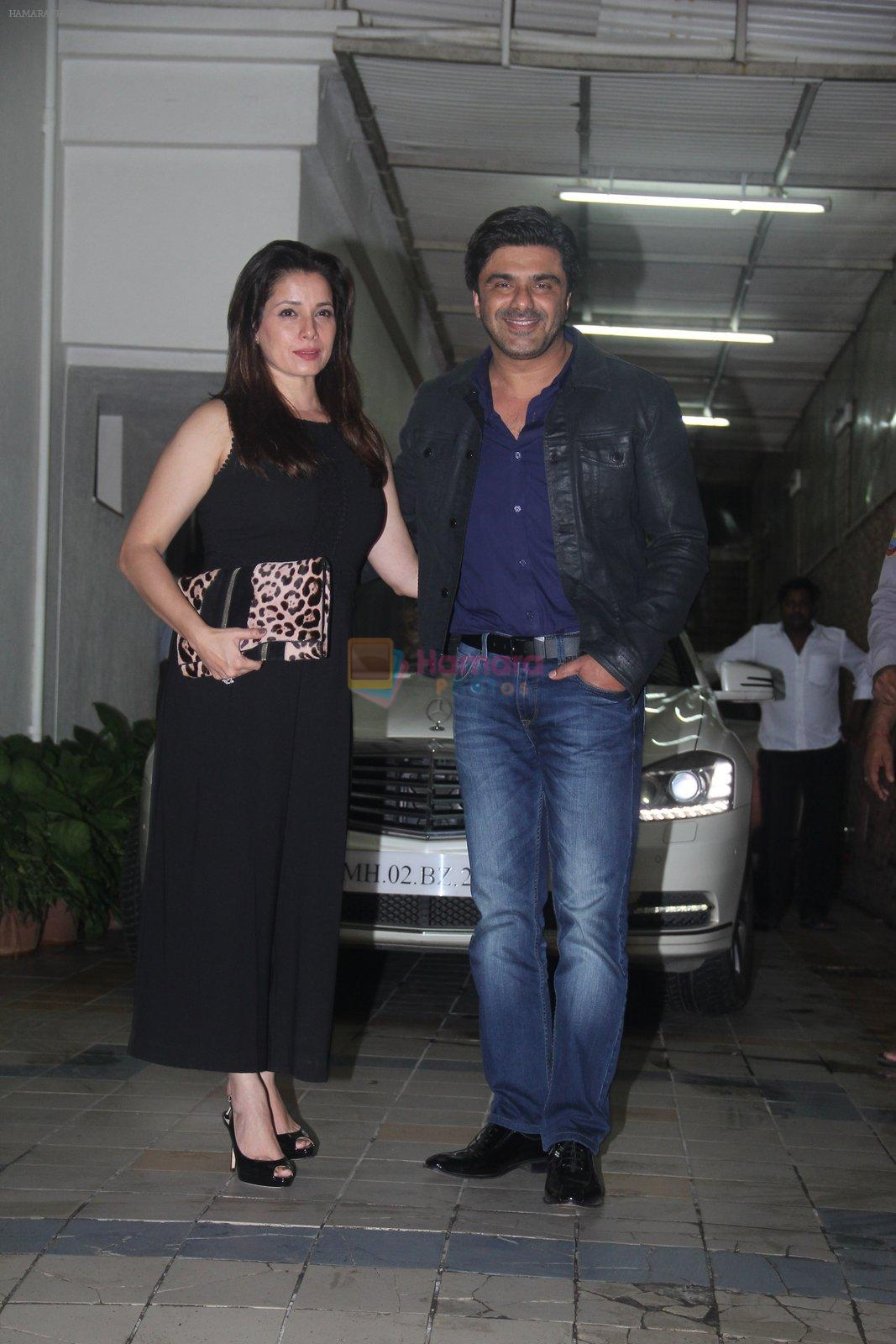 Neelam Kothari, Sameer Soni at Dipti Sandesara's bash on 2nd Sept 2016
