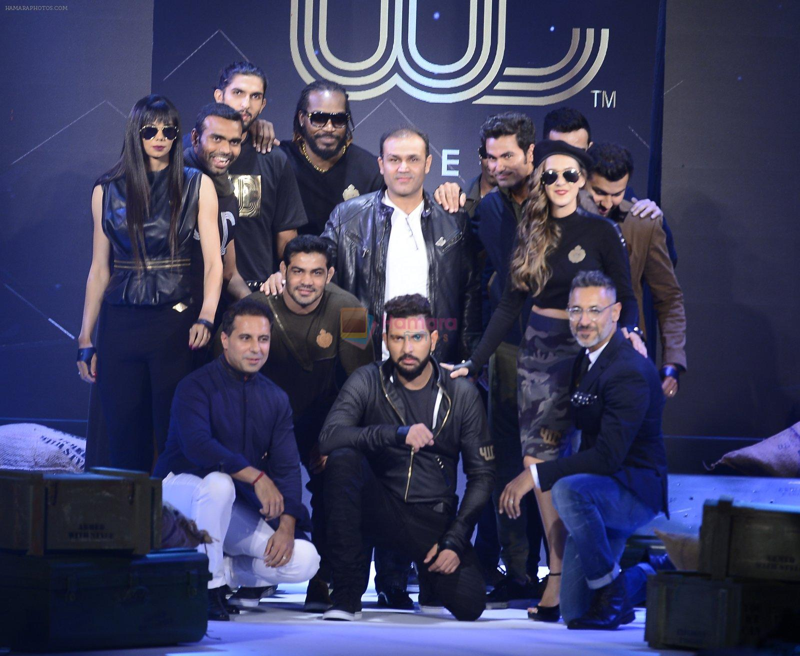 Yuvraj Singh, Virender Sehwag at You We Can Label launch with Shantanu Nikhil collection on 3rd Sept 2016