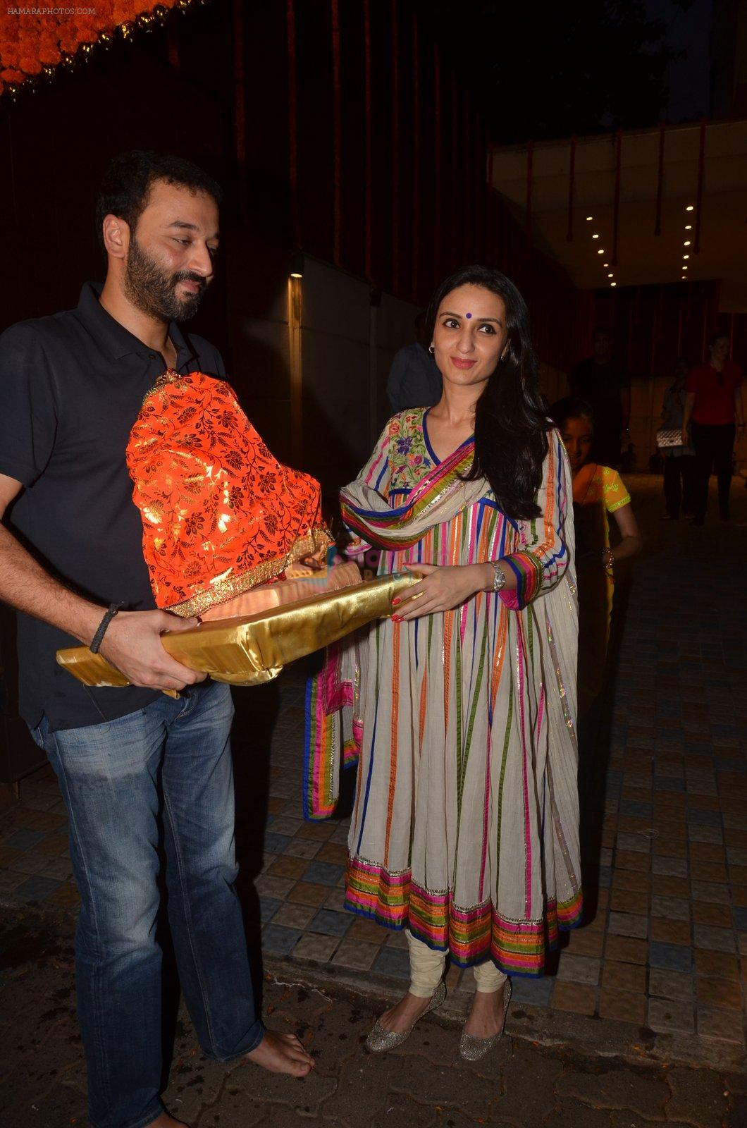Anu Dewan and Sunny Dewan snapped as they got there ganpati on 4th Sept 2016