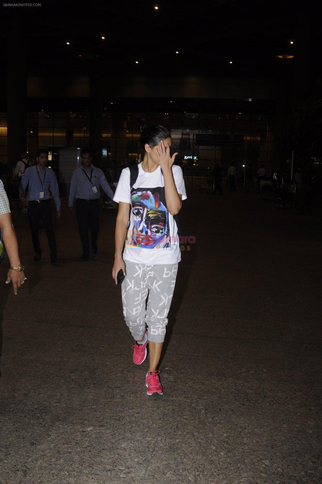 Nargis Fakhri snapped at airport on 4th Sept 2016