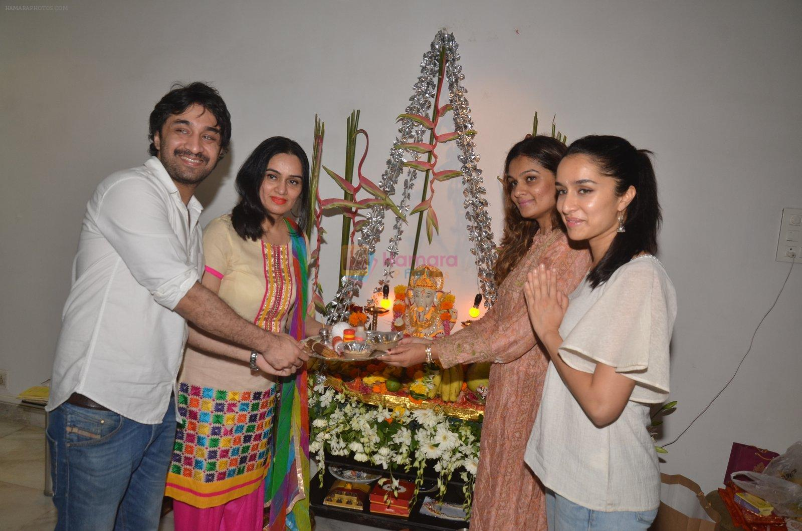 Shraddha Kapoor's Ganpati celebration on 5th Sept 2016