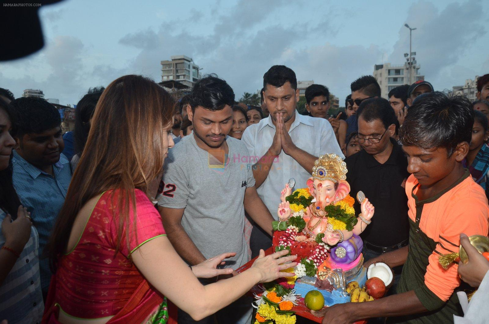 Suzanne Khan's Ganpati Visarjan on 6th Sept 2016
