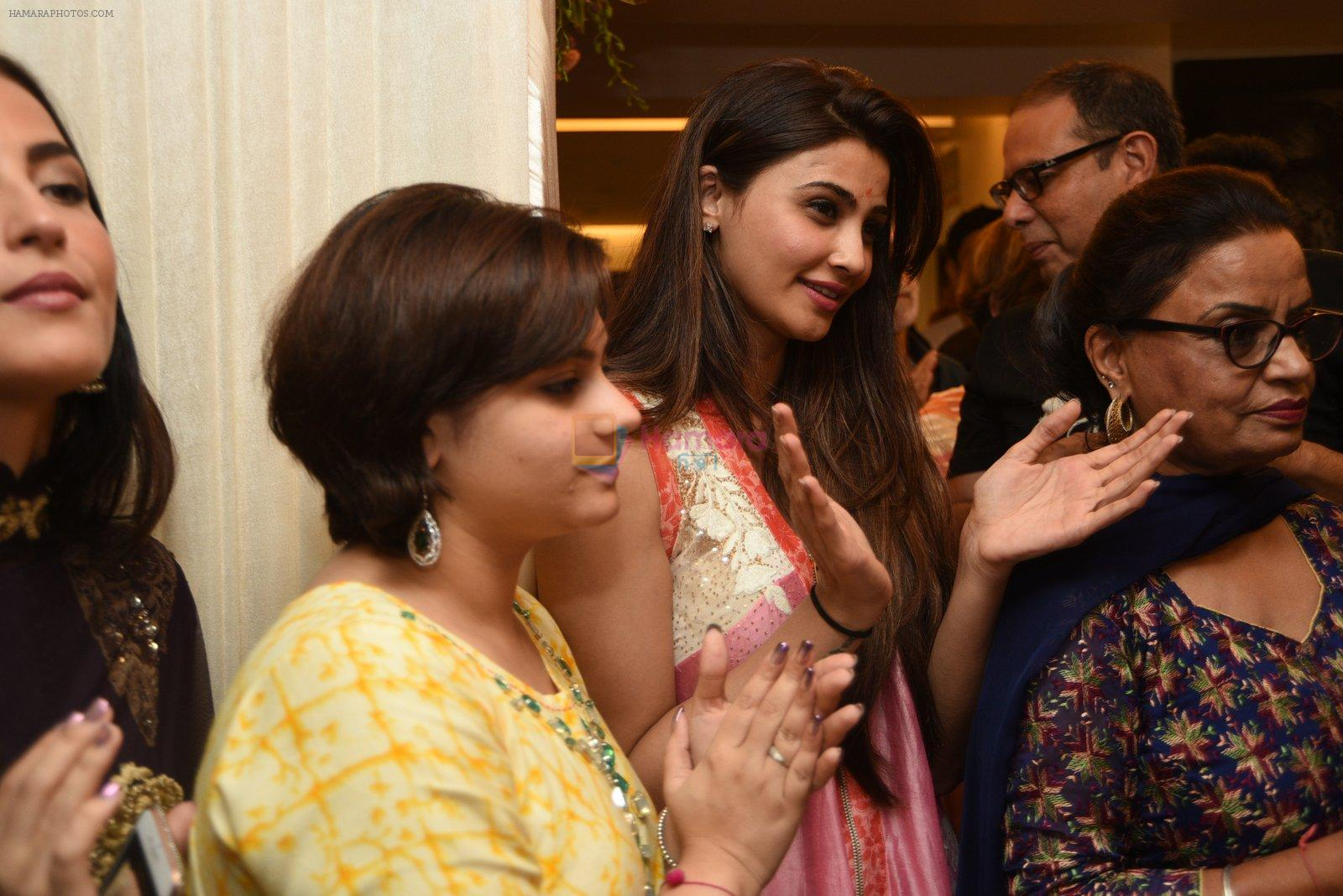 Daisy Shah at Arpita and Salman's Ganpati Visarjan on 6th Sept 2016
