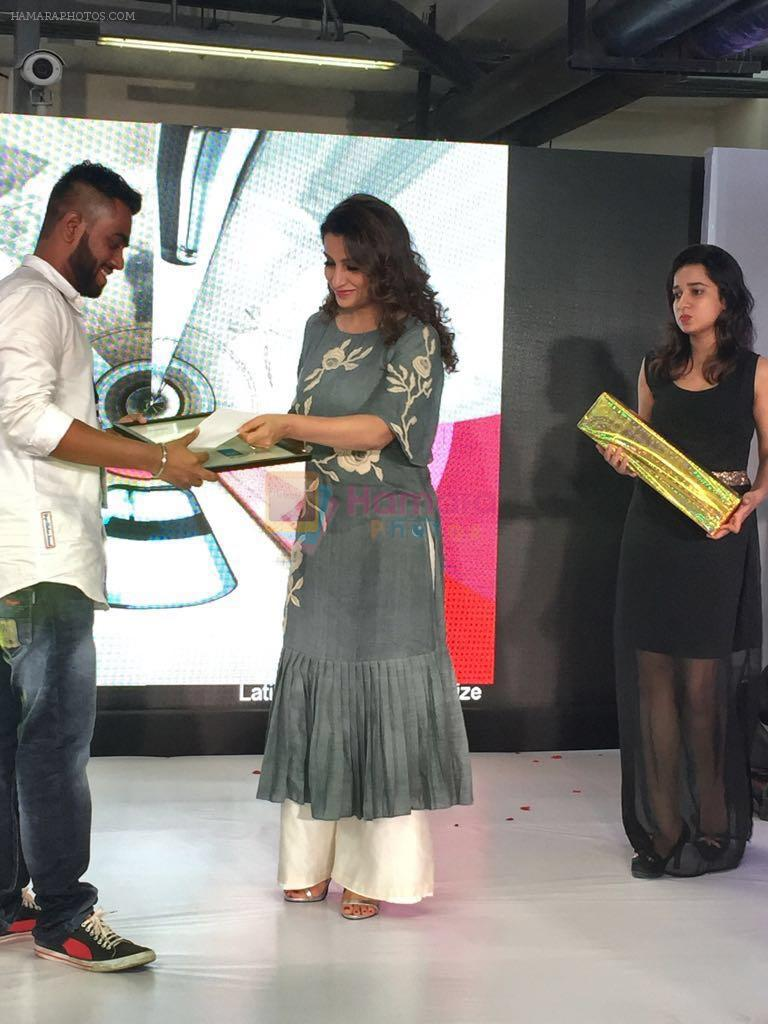 Tisca Chopra unveiling a metro train , here she's seen wearing an outfit from Myoho by Kiran and Meghna on 6th Sept 2016